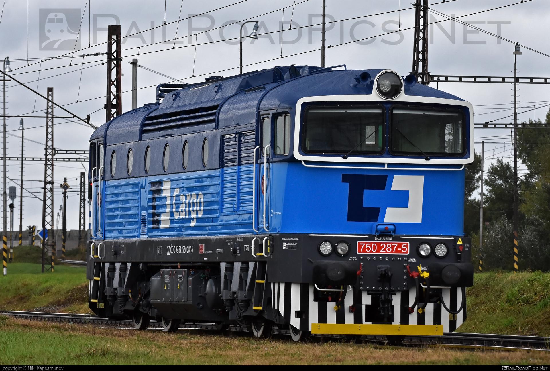 ČKD T 478.3 (753) - 750 287-5 operated by ČD Cargo, a.s. #brejlovec #ckd #ckd1435bobo1800 #ckdclass753 #ckdt4783 #locomotive750 #locomotive753 #okuliarnik