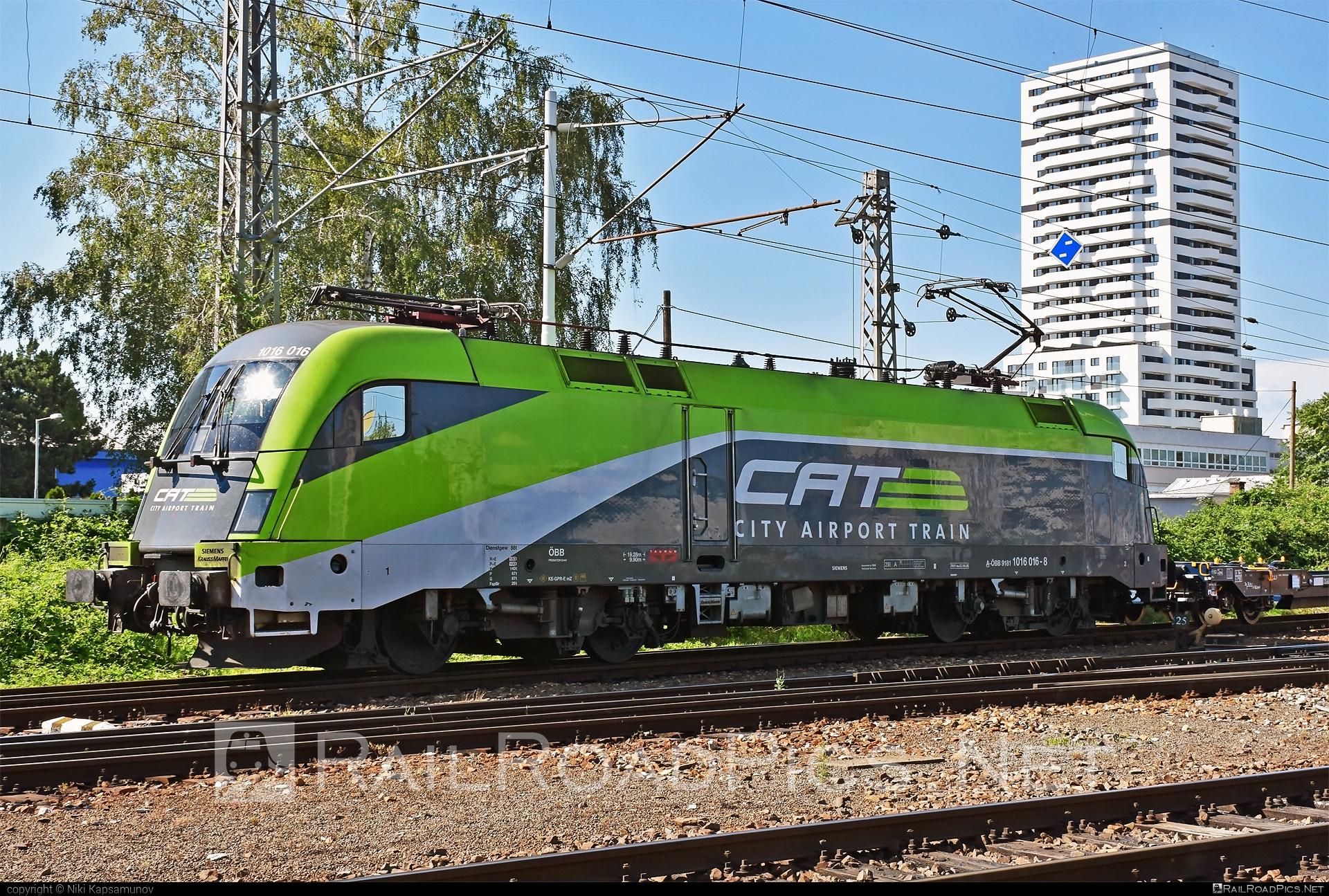 Siemens ES 64 U2 - 1016 016 operated by Rail Cargo Austria AG #cat #es64 #es64u #es64u2 #eurosprinter #obb #osterreichischebundesbahnen #rcw #siemens #siemenses64 #siemenses64u #siemenses64u2 #siemenstaurus #tauruslocomotive