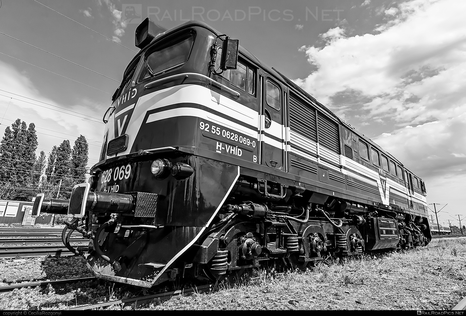Lugansk M62 - 628 069 operated by V-HÍD Vagyonkezelő Kft. #locomotivem62 #ltz #ltzm62 #lugansk #luganskteplovoz #luhansklocomotiveworks #luhanskm62 #luhanskteplovoz #m62 #m62locomotive