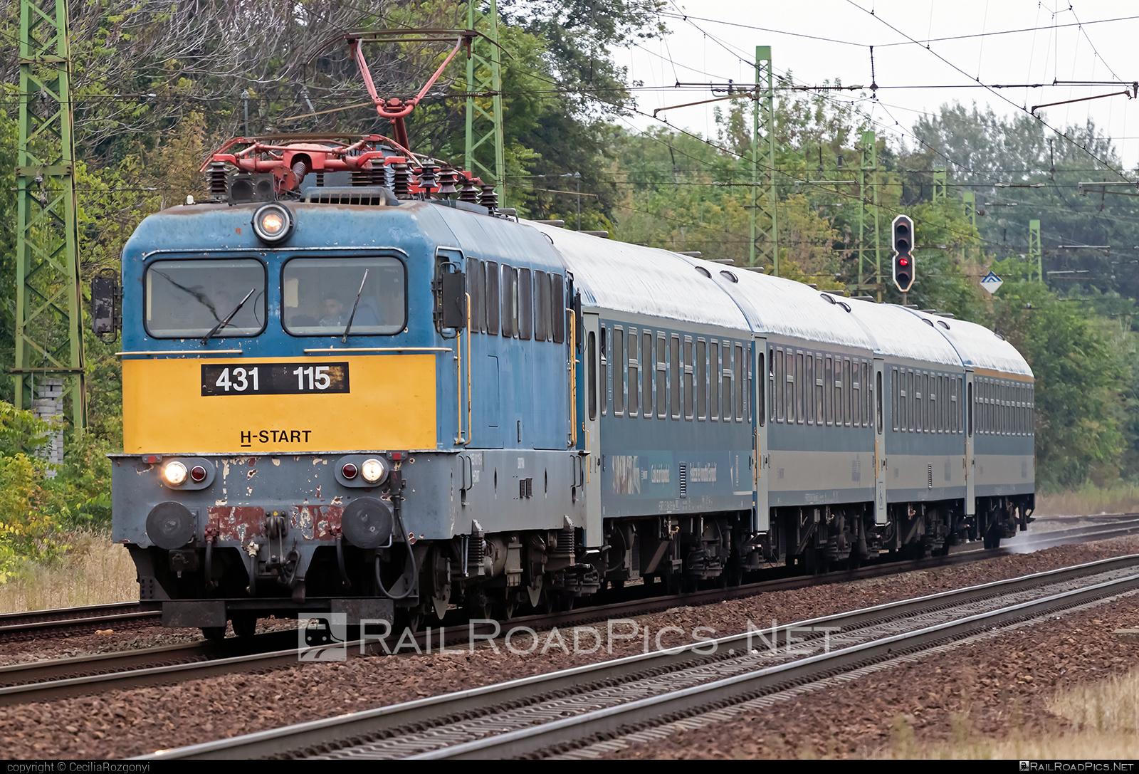 Ganz-MÁVAG VM14-11 - 431 115 operated by MÁV-START ZRt. #ganz43 #ganz431 #ganzmavag #ganzmavag43 #ganzmavag431 #ganzmavagvm1411 #mav #mavstart #mavstartzrt #v43locomotive