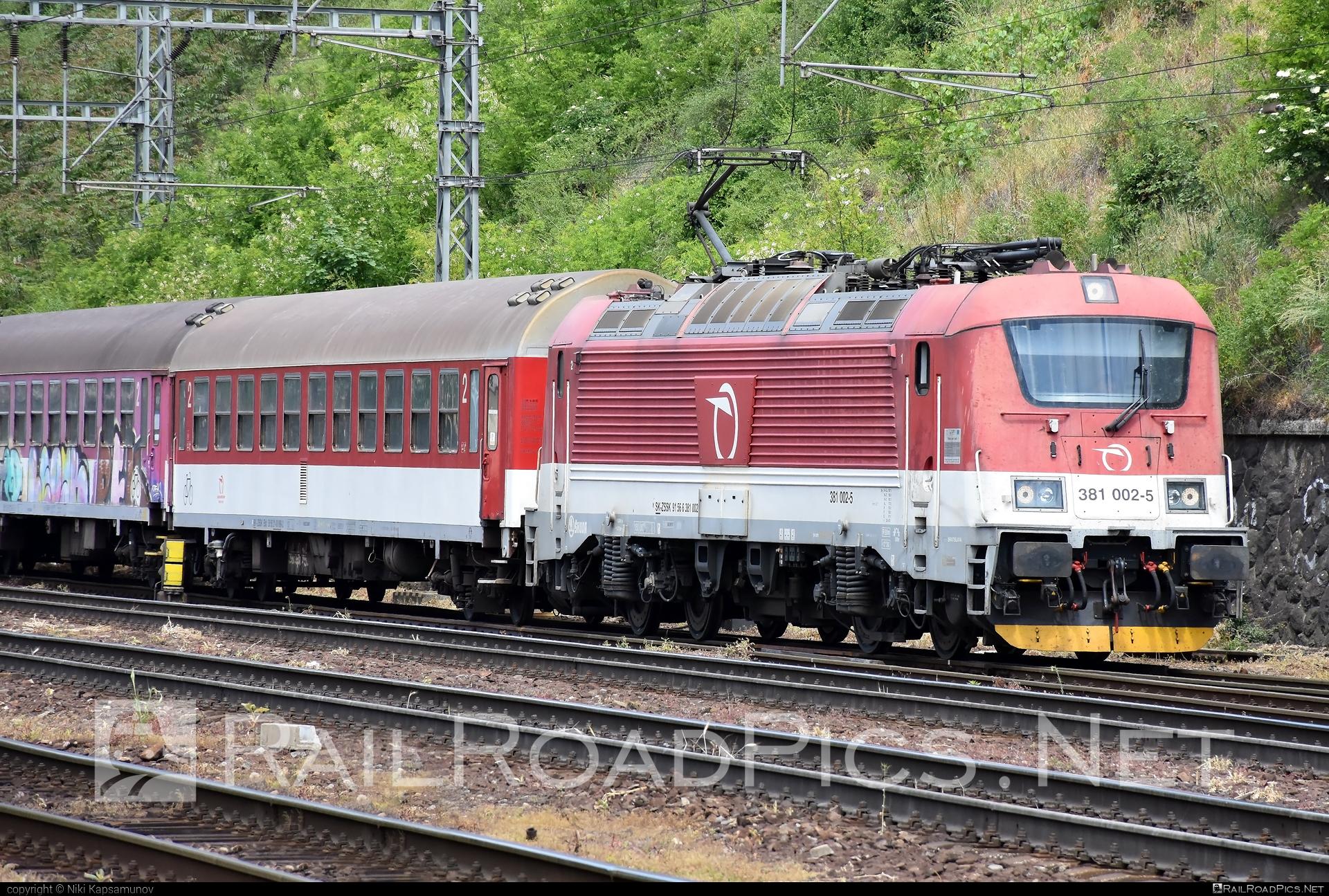 Škoda 109E2 Emil Zátopek - 381 002-5 operated by Železničná Spoločnost' Slovensko, a.s. #ZeleznicnaSpolocnostSlovensko #emilzatopeklocomotive #locomotive381 #skoda #skoda109e #skoda109elocomotive #zssk