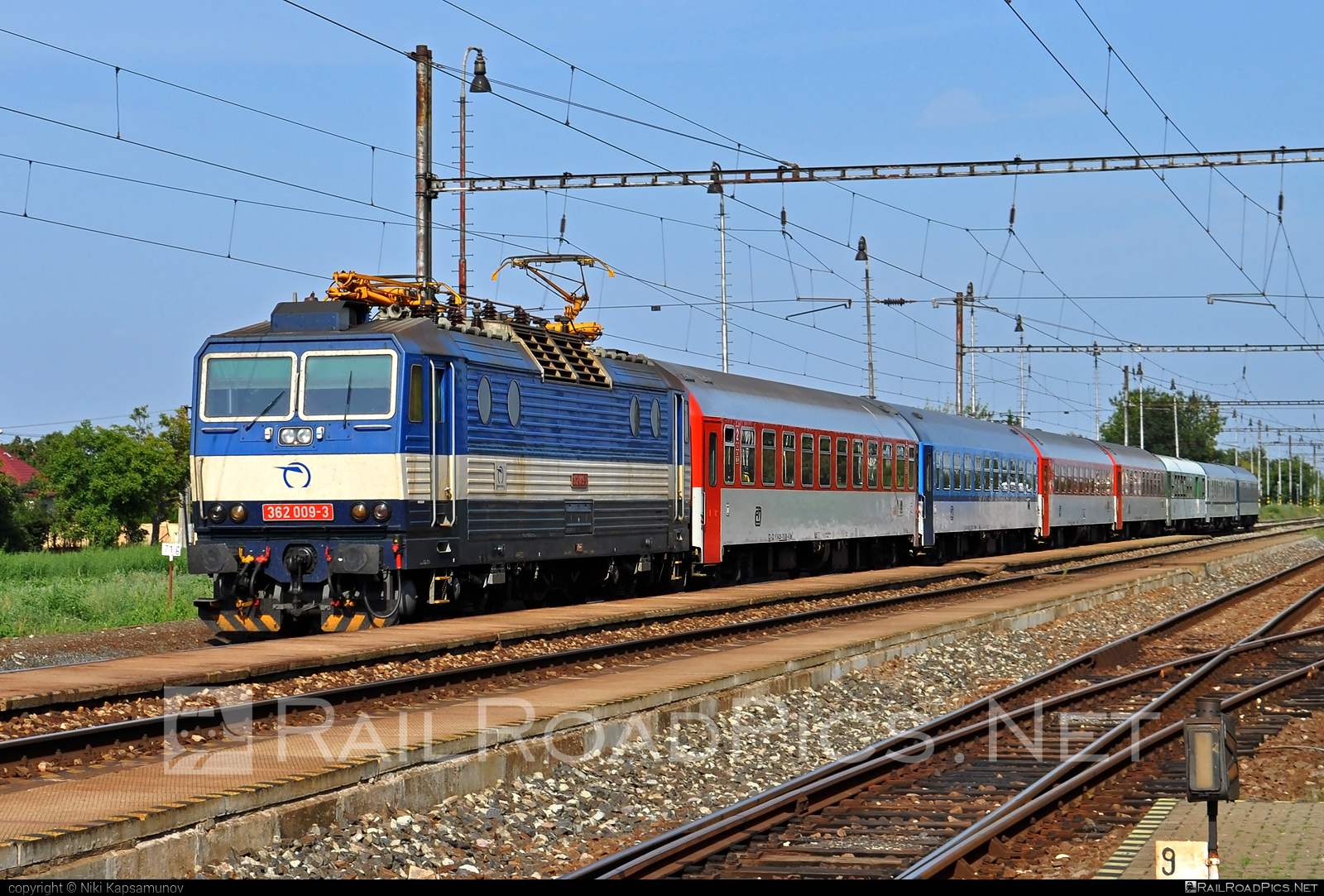 Škoda 69Er - 362 009-3 operated by Železničná Spoločnost' Slovensko, a.s. #ZeleznicnaSpolocnostSlovensko #eso #locomotive362 #rychleeso #skoda #skoda69er #zssk