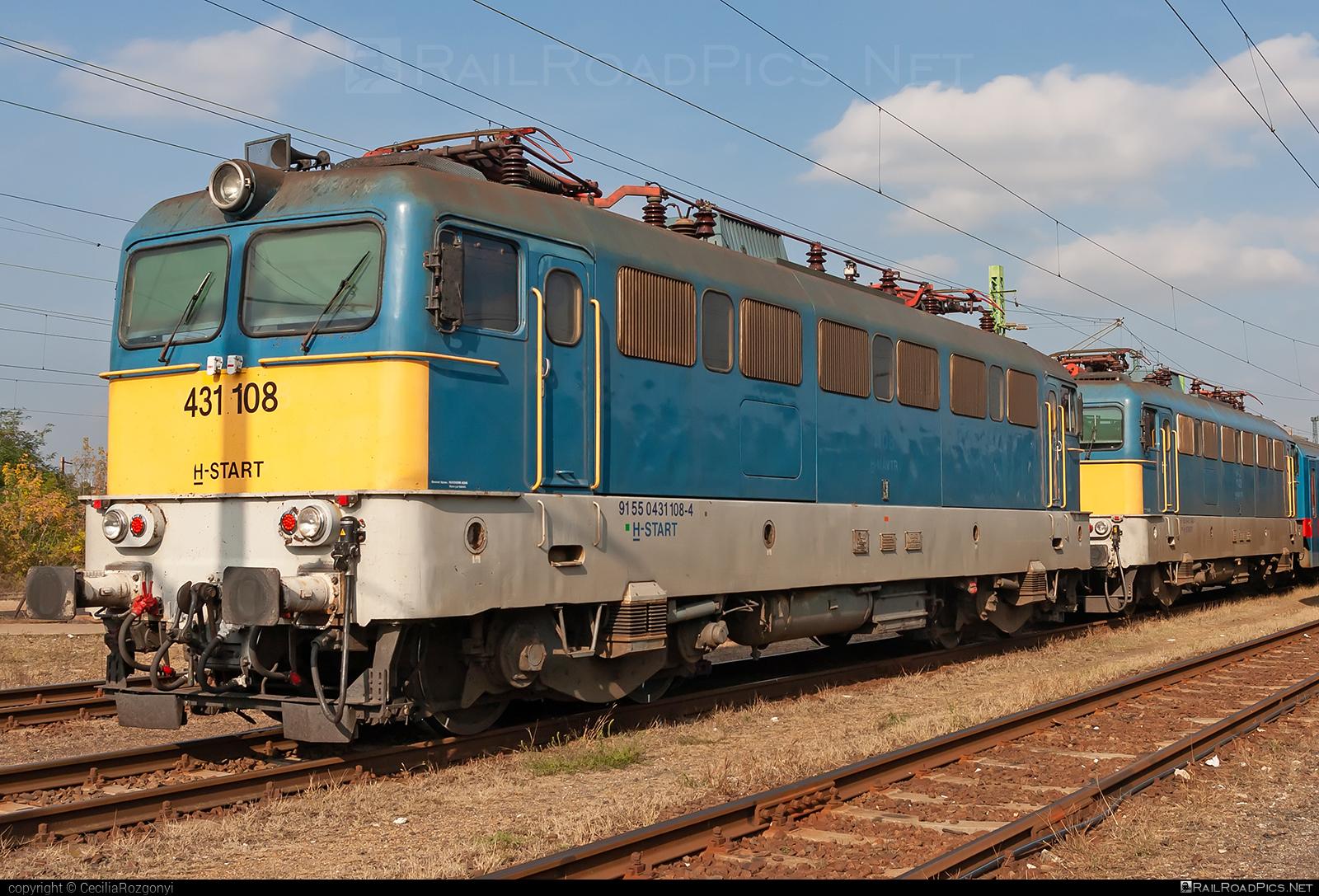 Ganz-MÁVAG VM14-11 - 431 108 operated by MÁV-START ZRt. #ganz43 #ganz431 #ganzmavag #ganzmavag43 #ganzmavag431 #ganzmavagvm1411 #mavstart #mavstartzrt #v43locomotive
