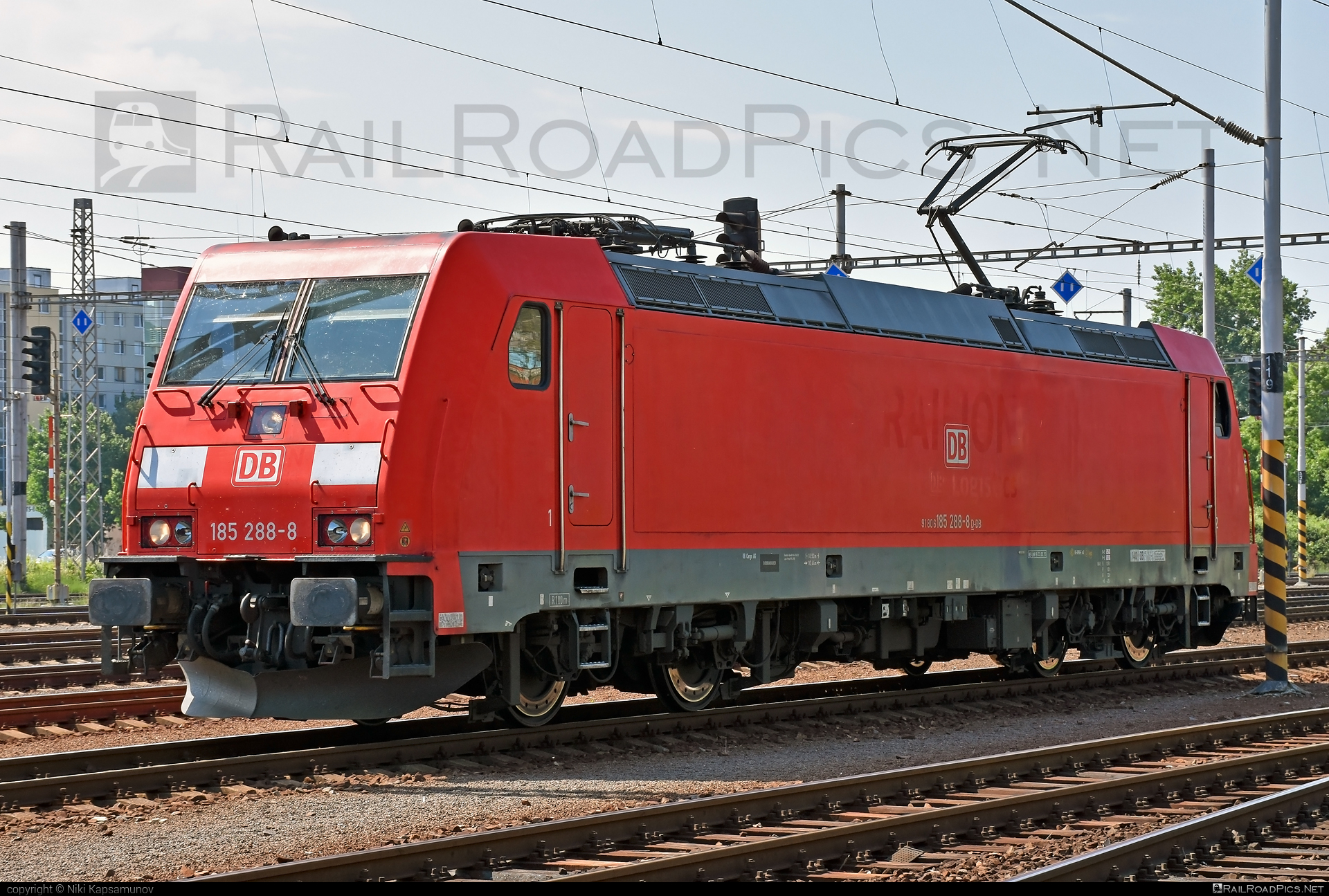 Bombardier TRAXX F140 AC2 - 185 288-8 operated by DB Cargo AG #bombardier #bombardiertraxx #db #dbcargo #dbcargoag #traxx #traxxf140 #traxxf140ac #traxxf140ac2