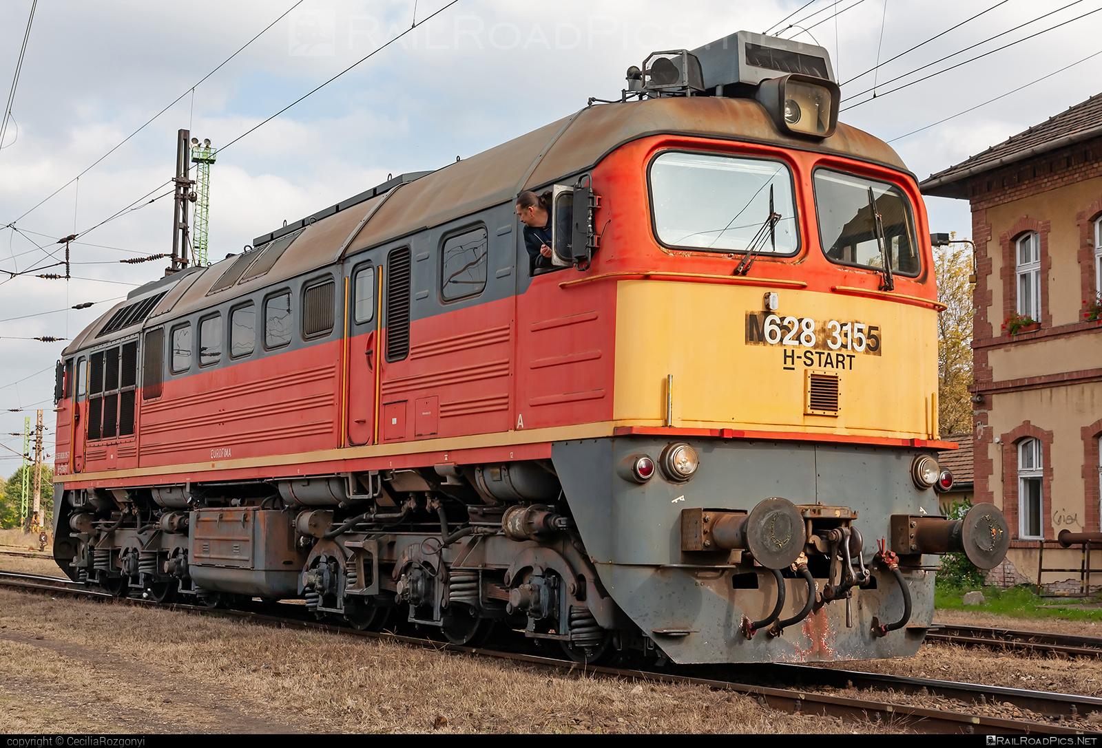Lugansk M62 - 628 315 operated by MÁV-START ZRt. #locomotivem62 #ltz #ltzm62 #lugansk #luganskteplovoz #luhansklocomotiveworks #luhanskm62 #luhanskteplovoz #m62 #m62locomotive #mavstart #mavstartzrt