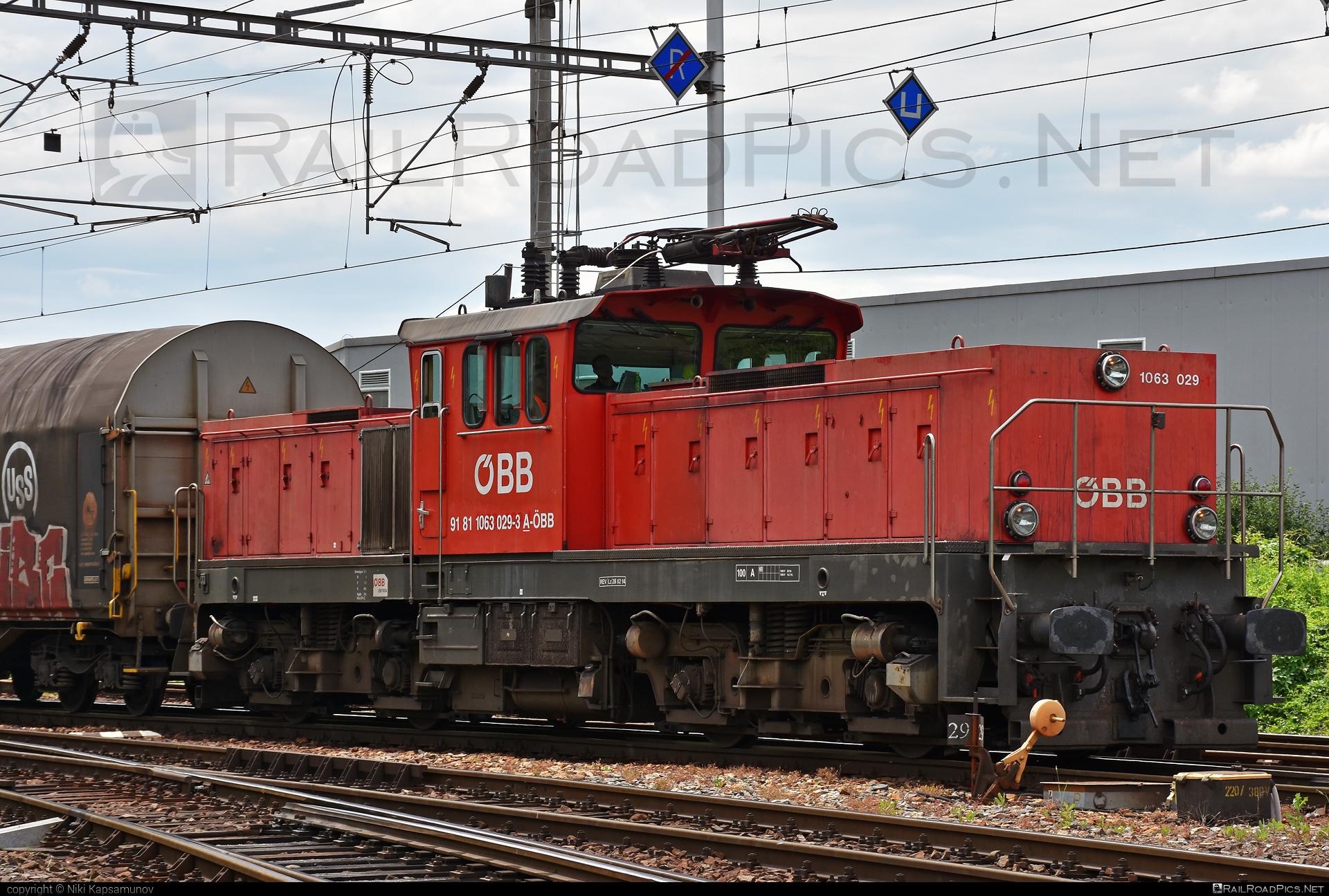 SGP ÖBB Class 1063 - 1063 029 operated by Rail Cargo Austria AG #obb #obb1063 #obbclass1063 #osterreichischebundesbahnen #sgp #sgp1063 #simmeringgrazpauker