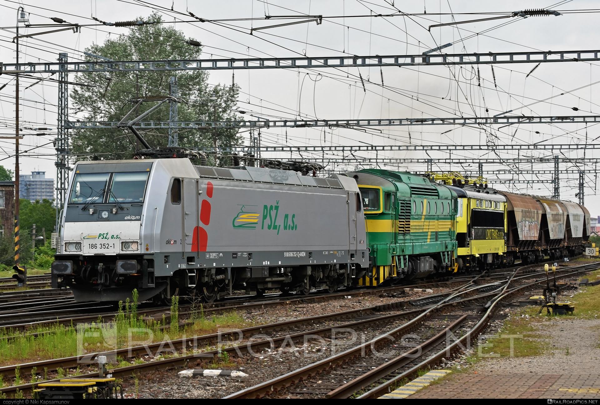 Bombardier TRAXX F140 MS - 186 352-1 operated by Prvá Slovenská železničná, a.s. #akiem #akiemsas #bombardier #bombardiertraxx #hopperwagon #prvaslovenskazeleznicna #prvaslovenskazeleznicnaas #psz #traxx #traxxf140 #traxxf140ms