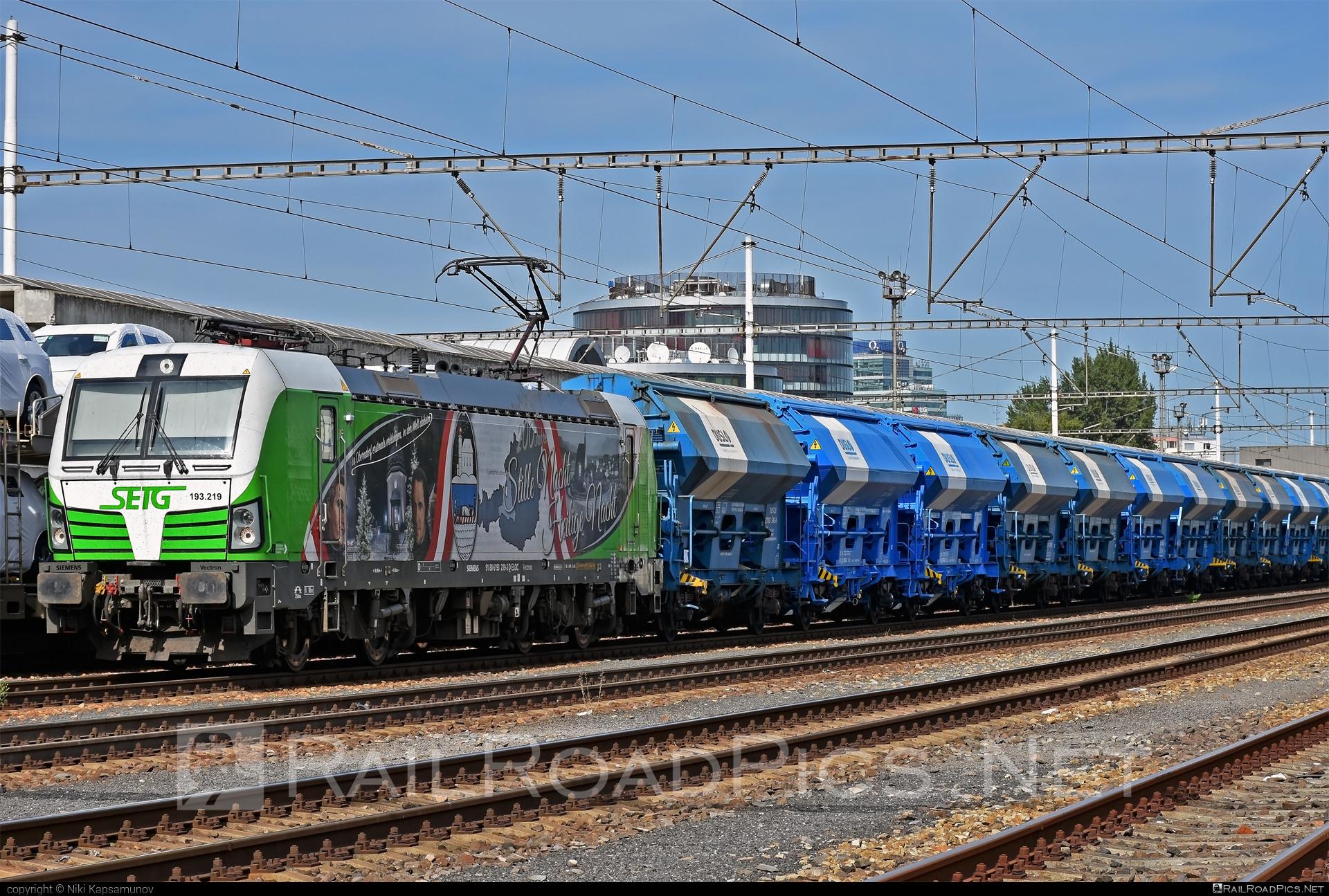 Siemens Vectron AC - 193 219 operated by Salzburger Eisenbahn Transportlogistik GmbH #SalzburgerEisenbahnTransportlogistik #SalzburgerEisenbahnTransportlogistikGmbH #duslo #ell #ellgermany #eloc #europeanlocomotiveleasing #hopperwagon #setg #siemens #siemensvectron #siemensvectronac #vectron #vectronac