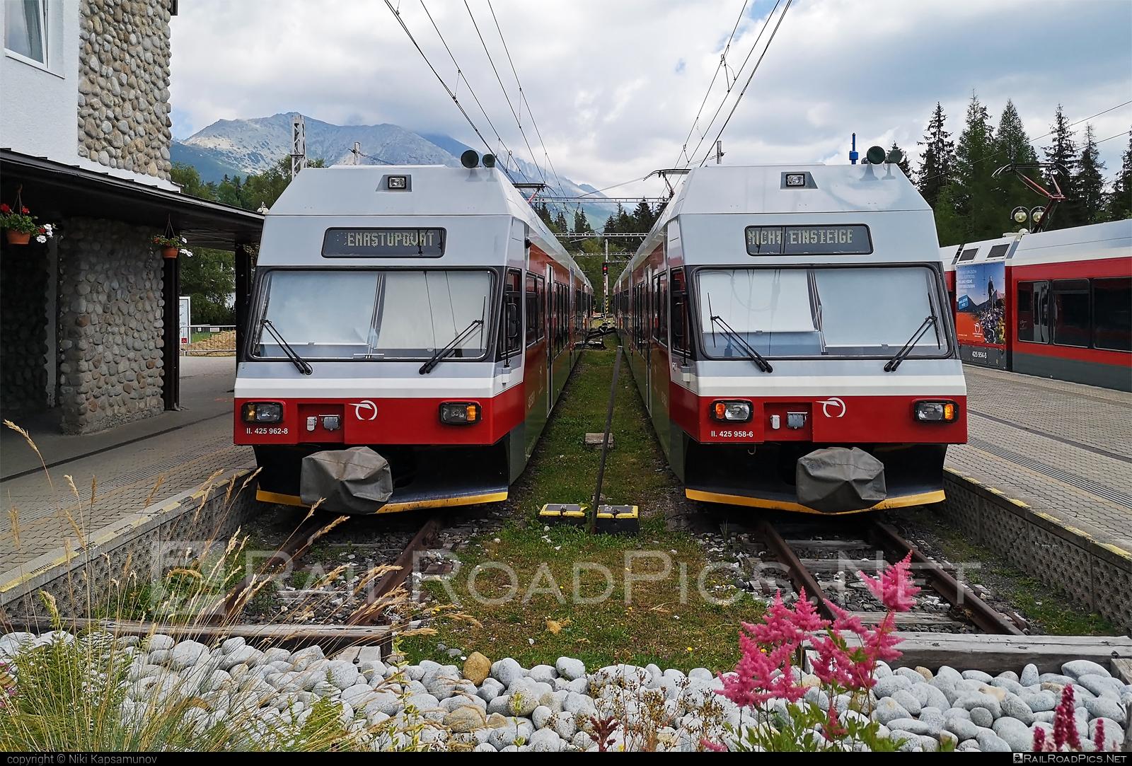 GTW Vysoké Tatry Class 425.95 - 425 958-6 operated by Železničná Spoločnost' Slovensko, a.s. #ZeleznicnaSpolocnostSlovensko #gtw26 #gtwvysoketatry #narrowgauge #zssk #zssk425 #zssk42595
