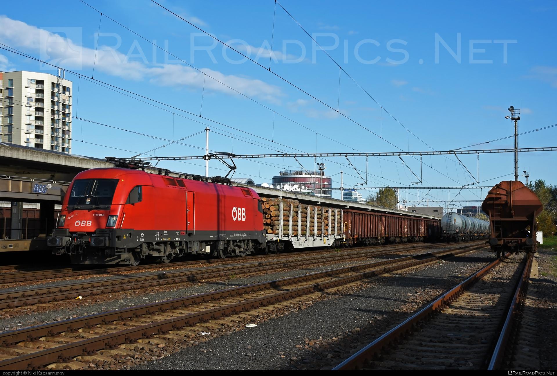 Siemens ES 64 U2 - 1116 056 operated by Rail Cargo Austria AG #es64 #es64u #es64u2 #eurosprinter #obb #osterreichischebundesbahnen #siemens #siemenses64 #siemenses64u #siemenses64u2 #siemenstaurus #taurus #tauruslocomotive