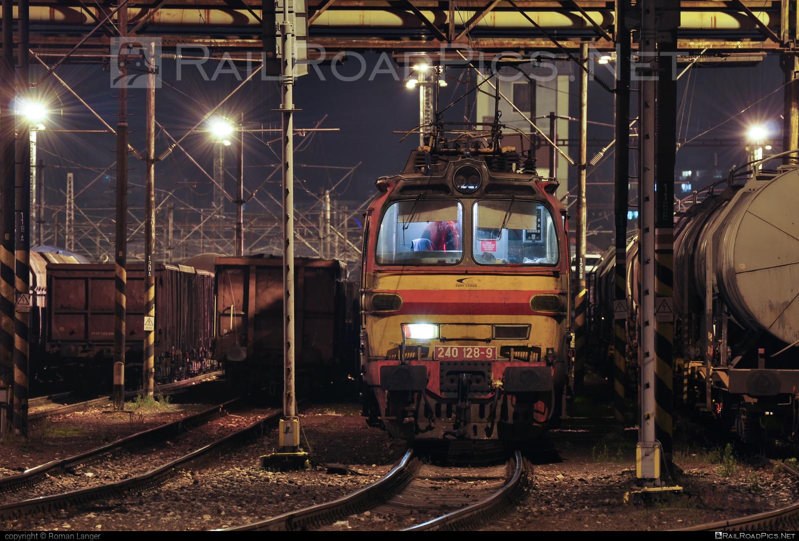 Škoda 47E - 240 128-9 operated by Železničná Spoločnost' Cargo Slovakia a.s. #ZeleznicnaSpolocnostCargoSlovakia #laminatka #locomotive240 #skoda #skoda47e #zsskcargo
