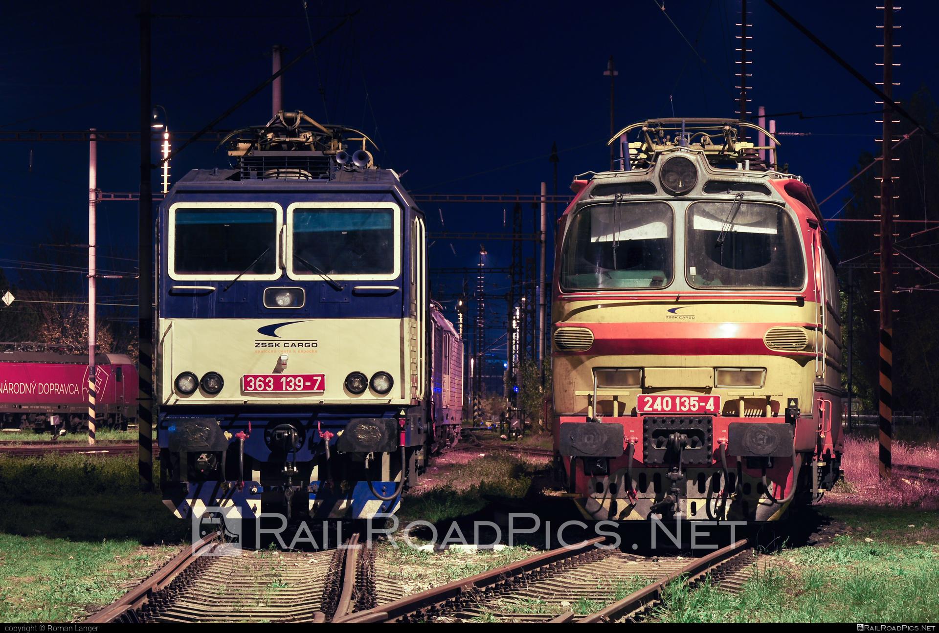 Škoda 47E - 240 135-4 operated by Železničná Spoločnost' Cargo Slovakia a.s. #ZeleznicnaSpolocnostCargoSlovakia #laminatka #locomotive240 #skoda #skoda47e #zsskcargo