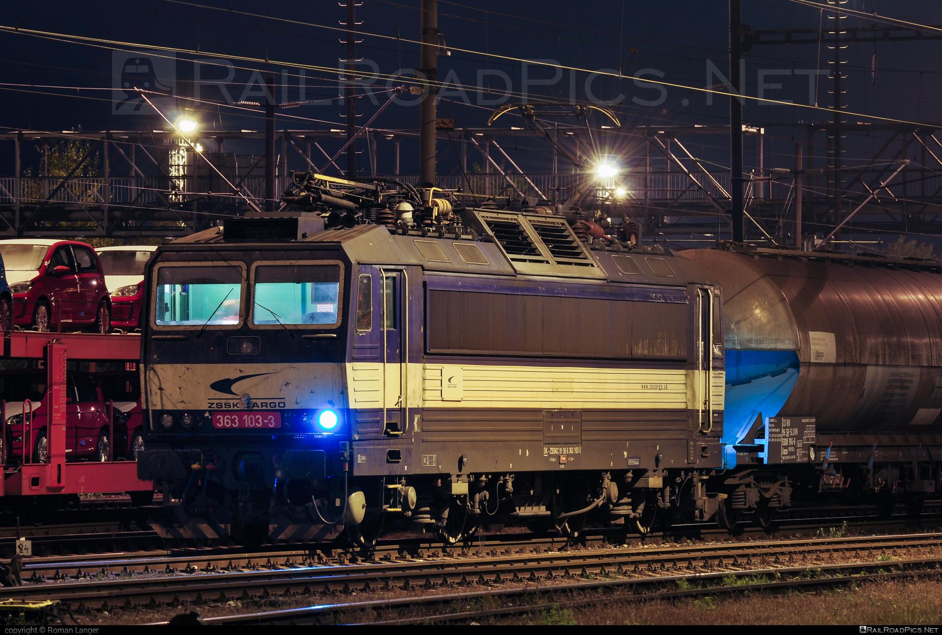 Škoda 69E - 363 103-3 operated by Železničná Spoločnost' Cargo Slovakia a.s. #ZeleznicnaSpolocnostCargoSlovakia #es4991 #eso #locomotive363 #skoda #skoda69e #zsskcargo