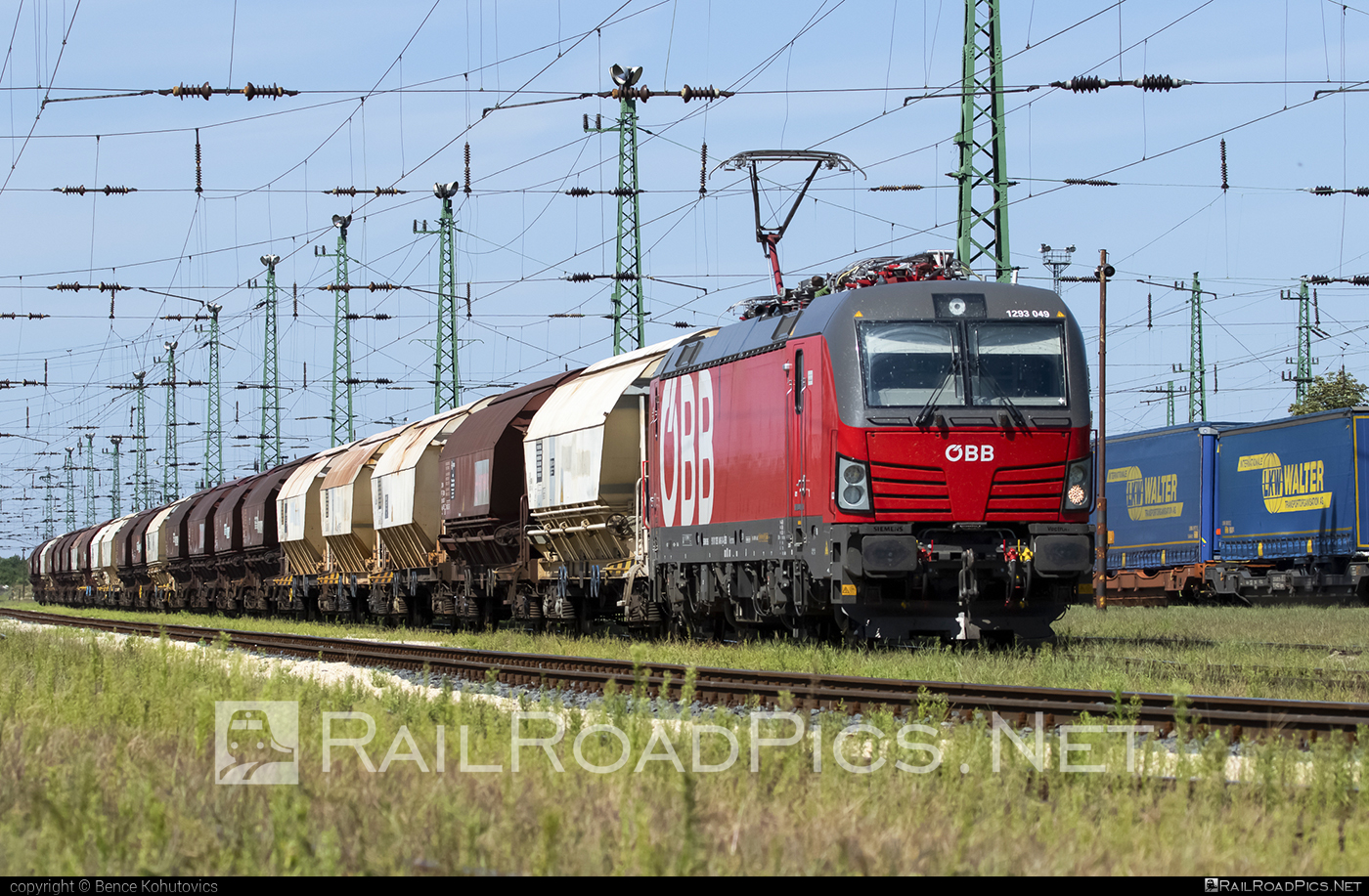 Siemens Vectron MS - 1293 049 operated by Rail Cargo Hungaria ZRt. #hopperwagon #obb #osterreichischebundesbahnen #rch #siemens #siemensvectron #siemensvectronms #vectron #vectronms