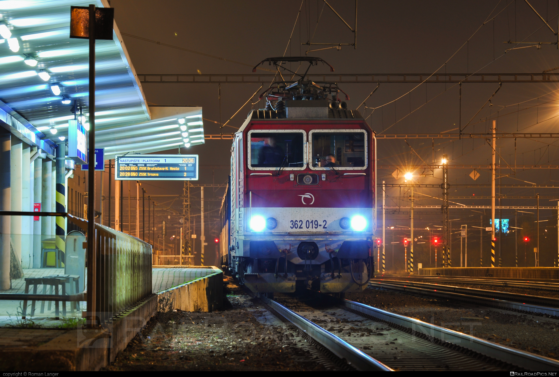 Škoda 69Er - 362 019-2 operated by Železničná Spoločnost' Slovensko, a.s. #ZeleznicnaSpolocnostSlovensko #eso #locomotive362 #rychleeso #skoda #skoda69er #zssk