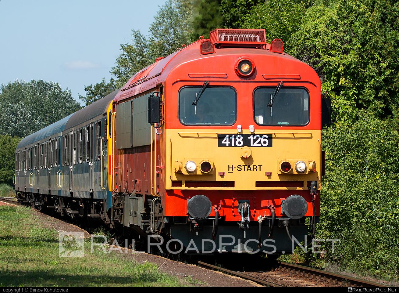Ganz-MÁVAG DHM7-4 - 418 126 operated by MÁV-START ZRt. #dhm7 #dhm74 #ganzm41 #ganzmavag #ganzmavag418 #ganzmavagdhm7 #ganzmavagdhm74 #ganzmavagm41 #m41locomotive #mavstart #mavstartzrt