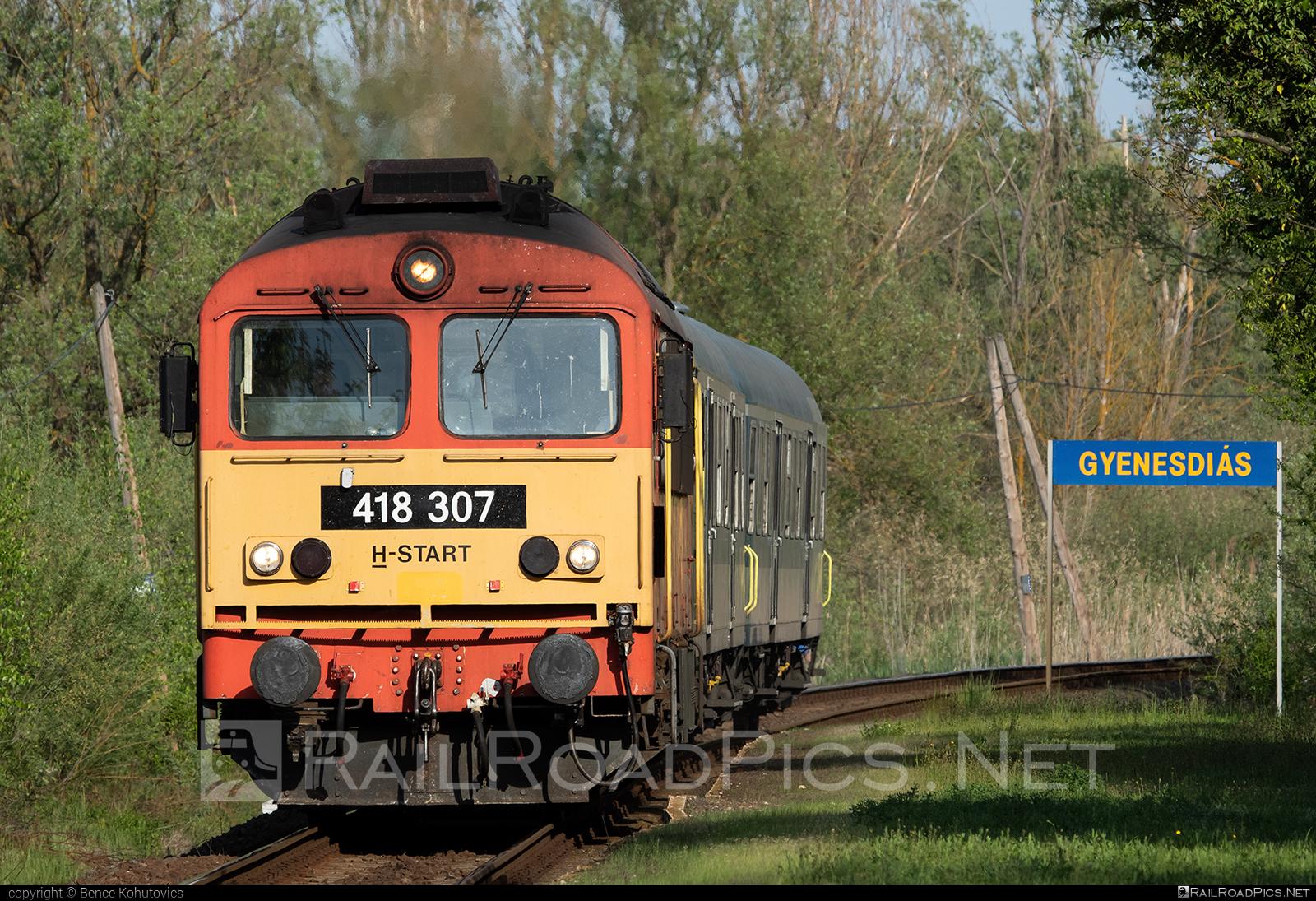 Ganz-MÁVAG DHM7-5 - 418 307 operated by MÁV-START ZRt. #dhm7 #dhm75 #ganzm41 #ganzmavag #ganzmavag418 #ganzmavagdhm7 #ganzmavagdhm75 #ganzmavagm41 #m41locomotive #mavstart #mavstartzrt