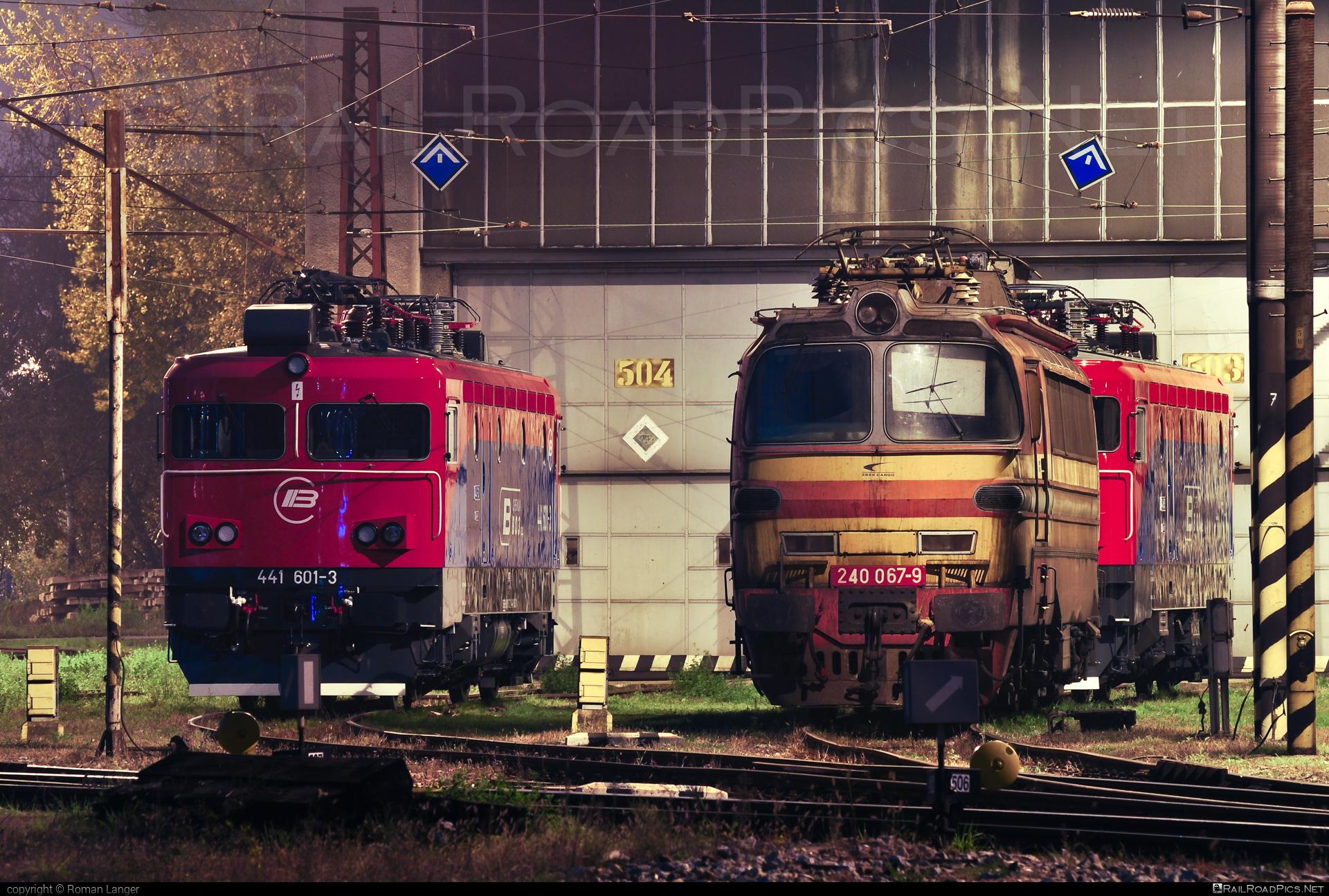 Škoda 47E - 240 067-9 operated by Železničná Spoločnost' Cargo Slovakia a.s. #ZeleznicnaSpolocnostCargoSlovakia #laminatka #locomotive240 #skoda #skoda47e #zsskcargo