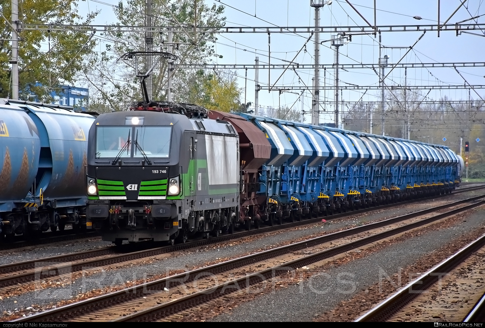 Siemens Vectron MS - 193 746 operated by Salzburger Eisenbahn Transportlogistik GmbH #SalzburgerEisenbahnTransportlogistik #SalzburgerEisenbahnTransportlogistikGmbH #duslo #ell #ellgermany #eloc #europeanlocomotiveleasing #hopperwagon #setg #siemens #siemensvectron #siemensvectronms #vectron #vectronms