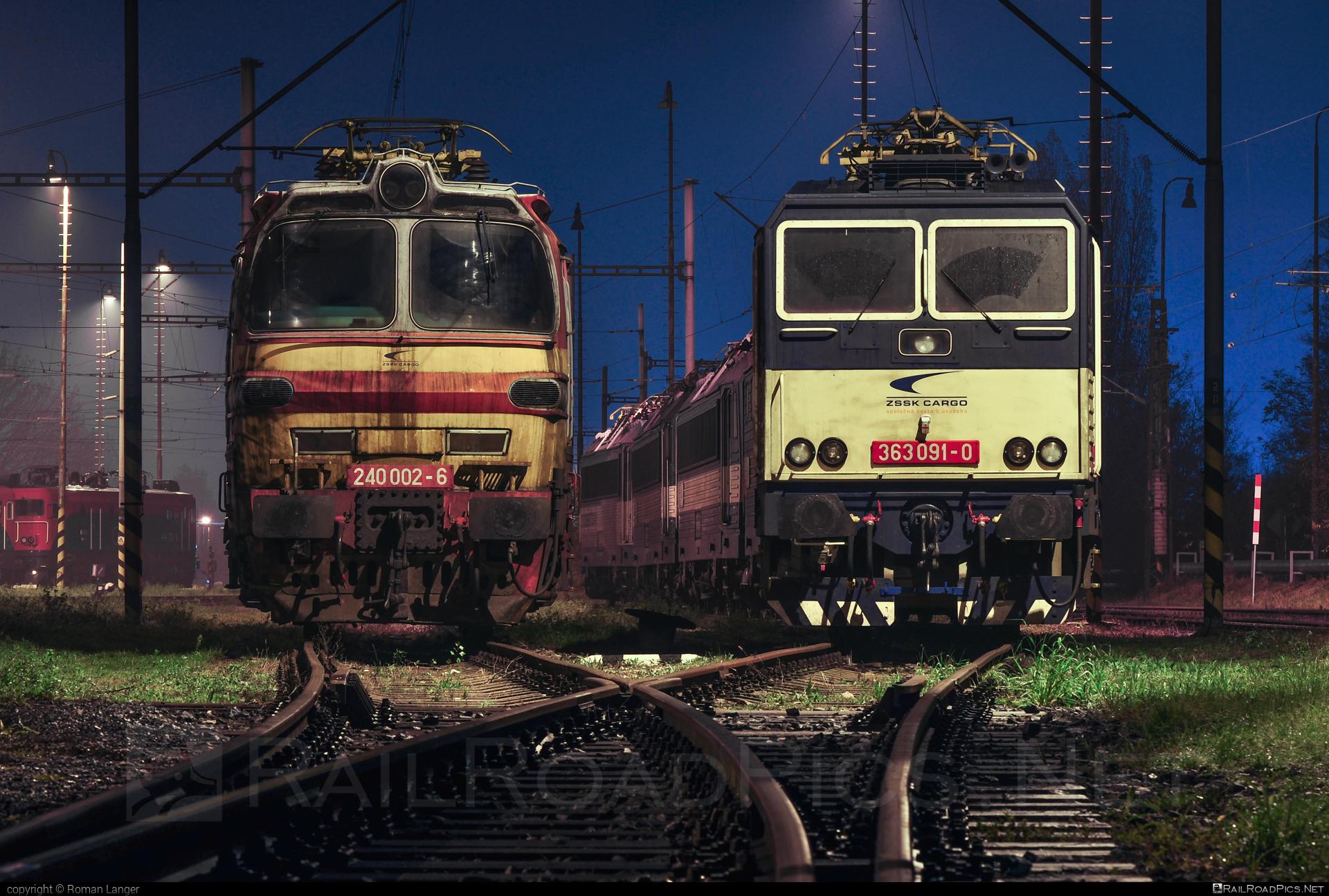 Škoda 47E - 240 002-6 operated by Železničná Spoločnost' Cargo Slovakia a.s. #ZeleznicnaSpolocnostCargoSlovakia #laminatka #locomotive240 #skoda #skoda47e #zsskcargo
