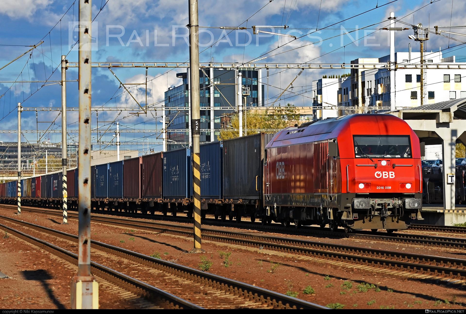 Siemens ER20 - 2016 009 operated by Rail Cargo Carrier – Slovakia s.r.o. #er20 #er20hercules #eurorunner #flatwagon #obb #osterreichischebundesbahnen #siemens #siemenser20 #siemenser20hercules #siemenseurorunner #siemenshercules