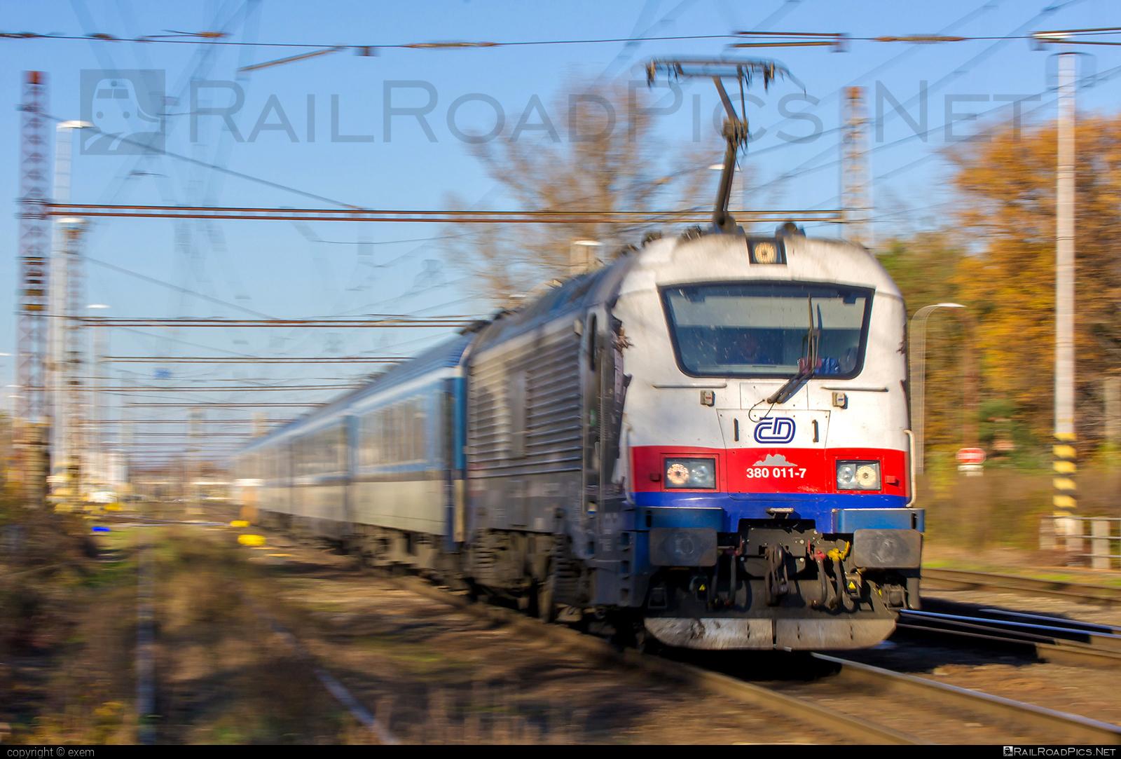 Škoda 109E1 Emil Zátopek - 380 011-7 operated by České dráhy, a.s. #ceskedrahy #emilzatopeklocomotive #locomotive380 #skoda #skoda109e #skoda109elocomotive