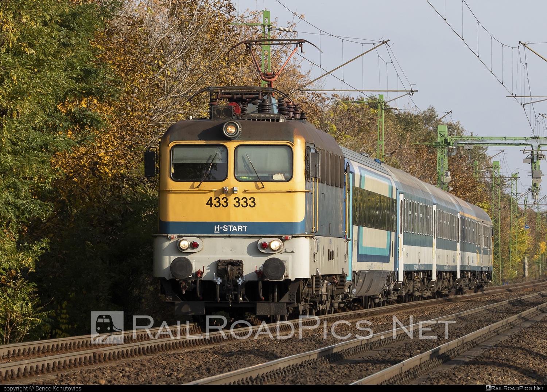 Ganz-MÁVAG VM14-24 - 433 333 operated by MÁV-START ZRt. #ganz43 #ganz431 #ganzmavag #ganzmavag43 #ganzmavag431 #ganzmavagvm1424 #mav #mavstart #mavstartzrt #v43locomotive
