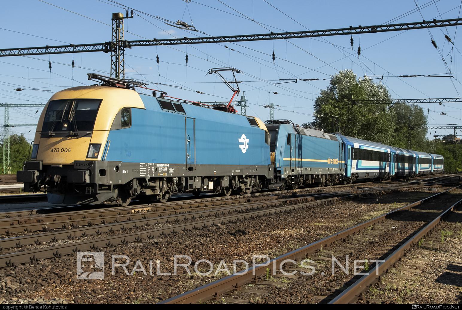 Siemens ES 64 U2 - 470 005 operated by MÁV-START ZRt. #es64 #es64u #es64u2 #eurosprinter #mav #mavstart #mavstartzrt #siemens #siemenses64 #siemenses64u #siemenses64u2 #siemenstaurus #taurus #tauruslocomotive