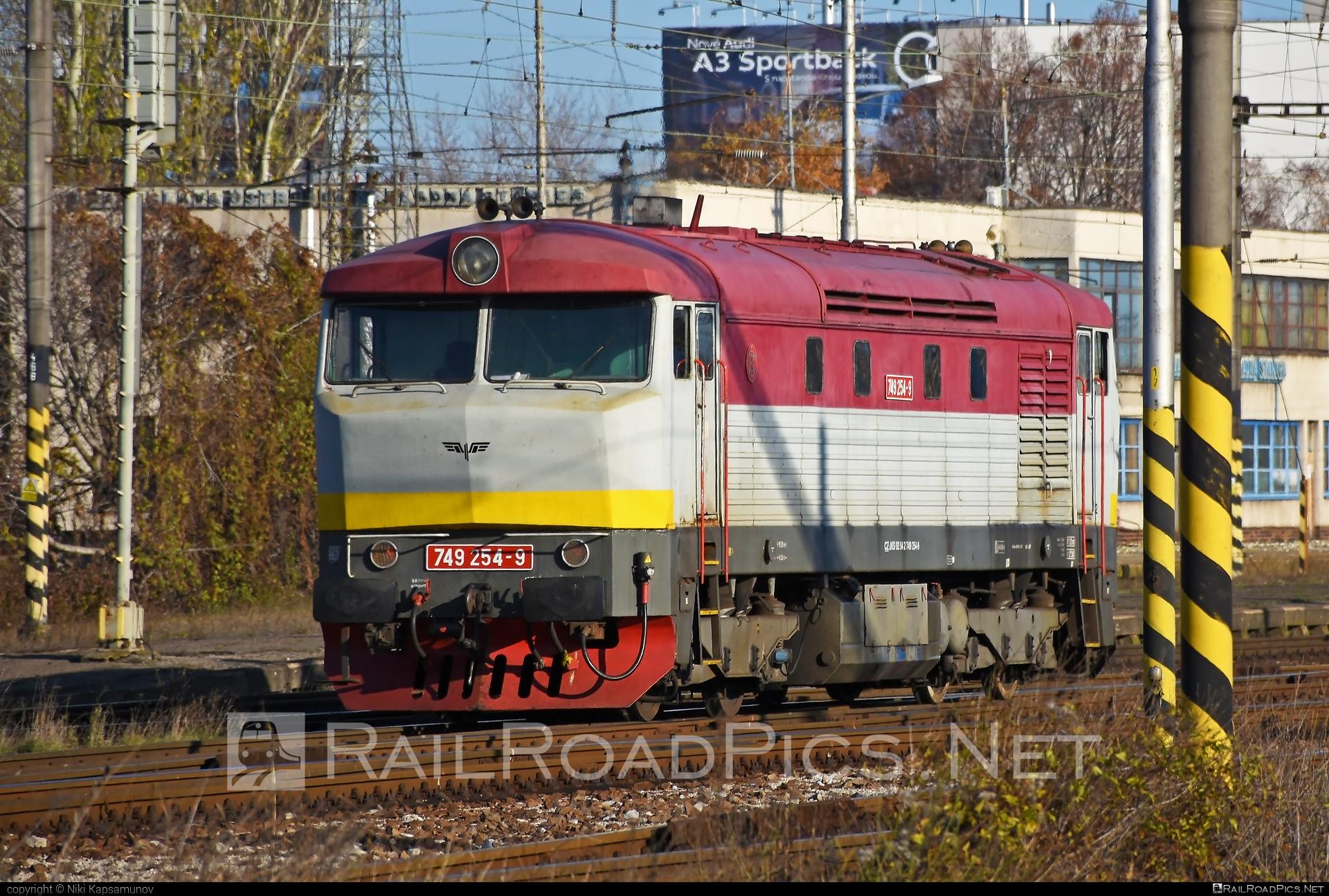 ČKD 749 - 749 254-9 operated by Elektrizace železnic Praha a.s. #bardotka #ckd #ckd749