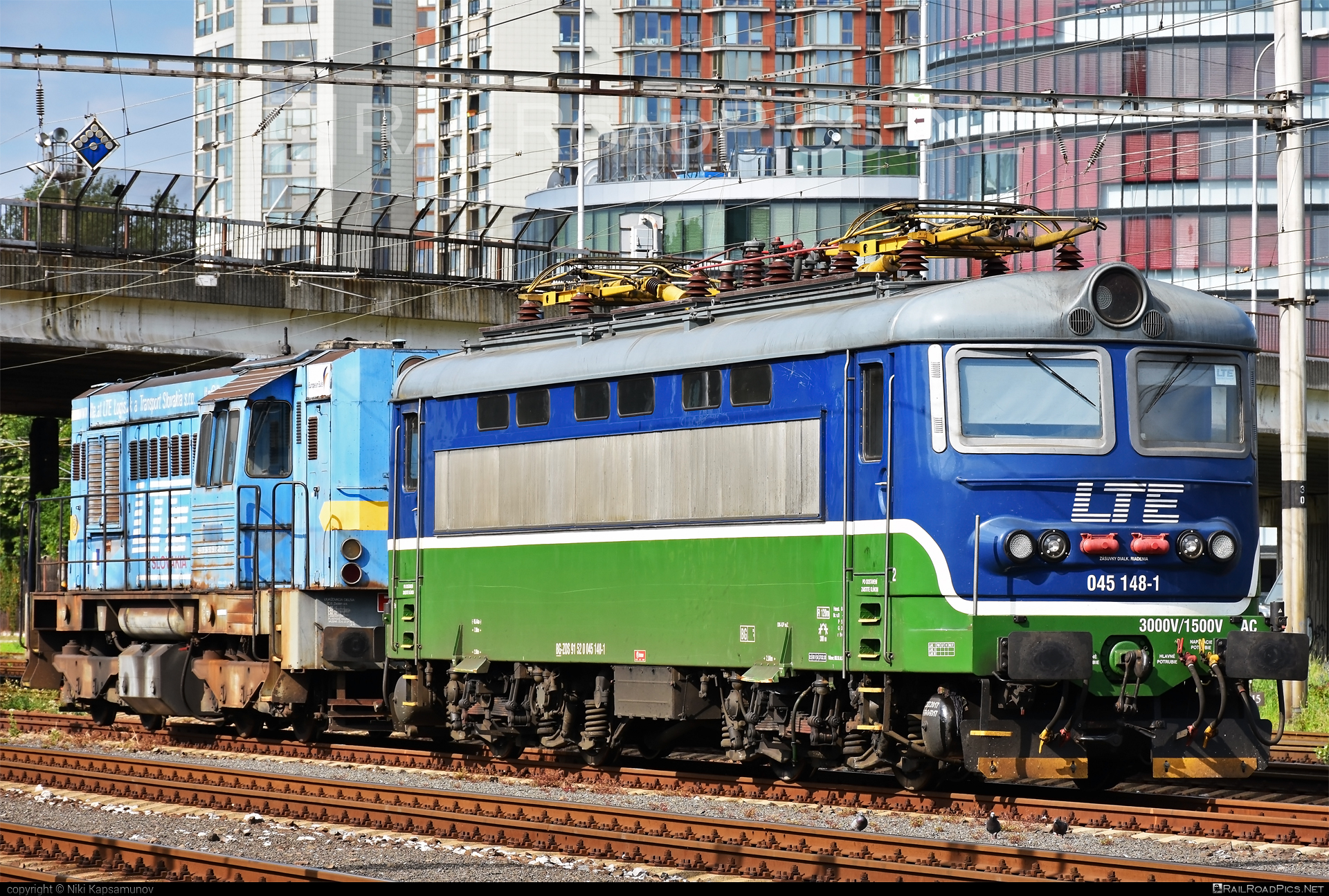 Škoda 73E - 045 148-1 operated by LTE Logistik a Transport Slovakia, s.r.o. #locomotive242 #plechac #skoda #skoda73e #zoszvolen