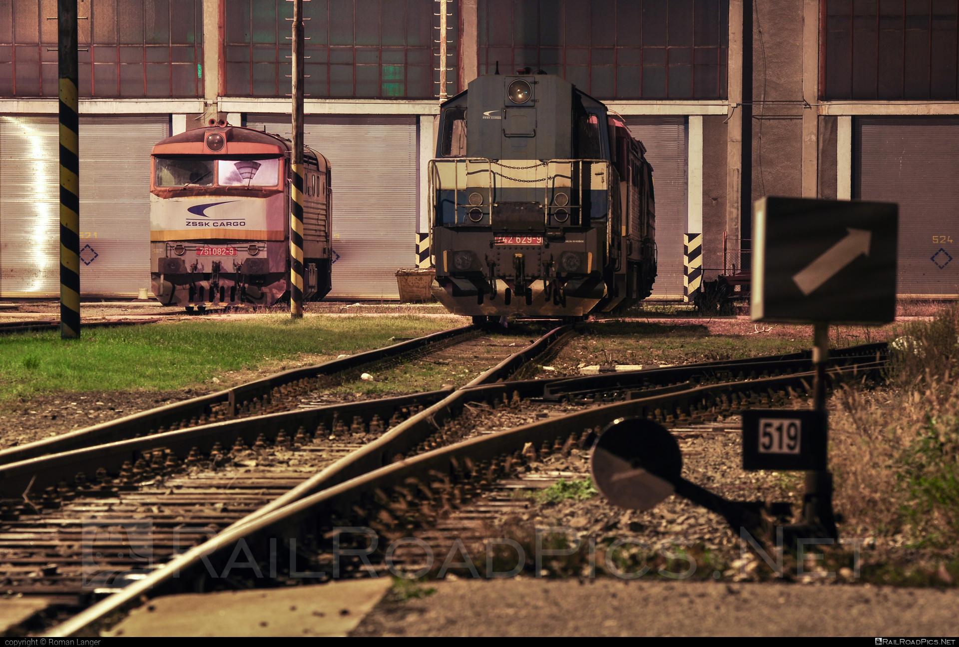 ČKD T 466.2 (742) - 742 629-9 operated by Železničná Spoločnost' Cargo Slovakia a.s. #ZeleznicnaSpolocnostCargoSlovakia #ckd #ckd4662 #ckd742 #ckdt4662 #kocur #zsskcargo