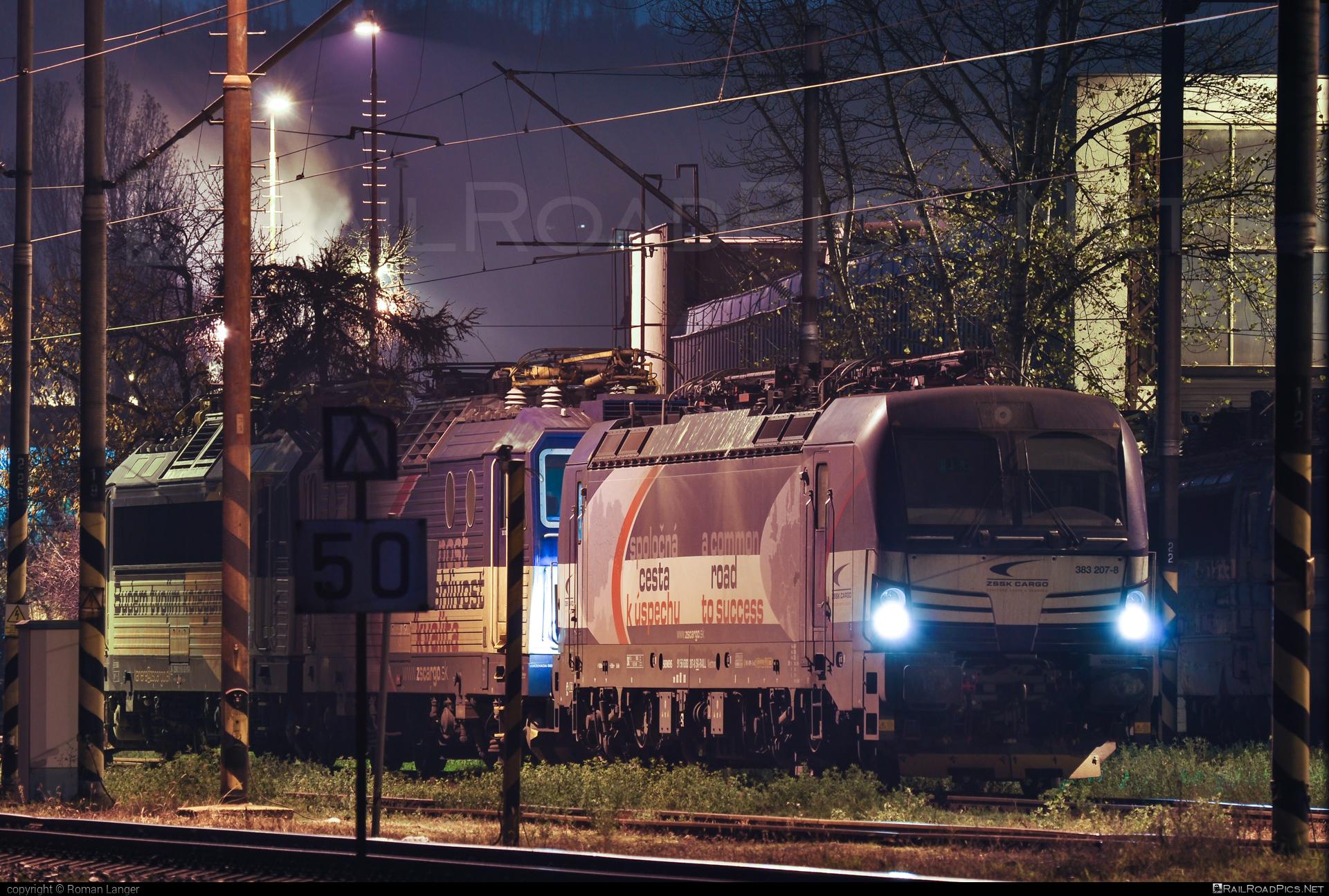 Siemens Vectron MS - 383 207-8 operated by Železničná Spoločnost' Cargo Slovakia a.s. #SRailLease #SRailLeaseSro #ZeleznicnaSpolocnostCargoSlovakia #raill #siemens #siemensvectron #siemensvectronms #vectron #vectronms #zsskcargo
