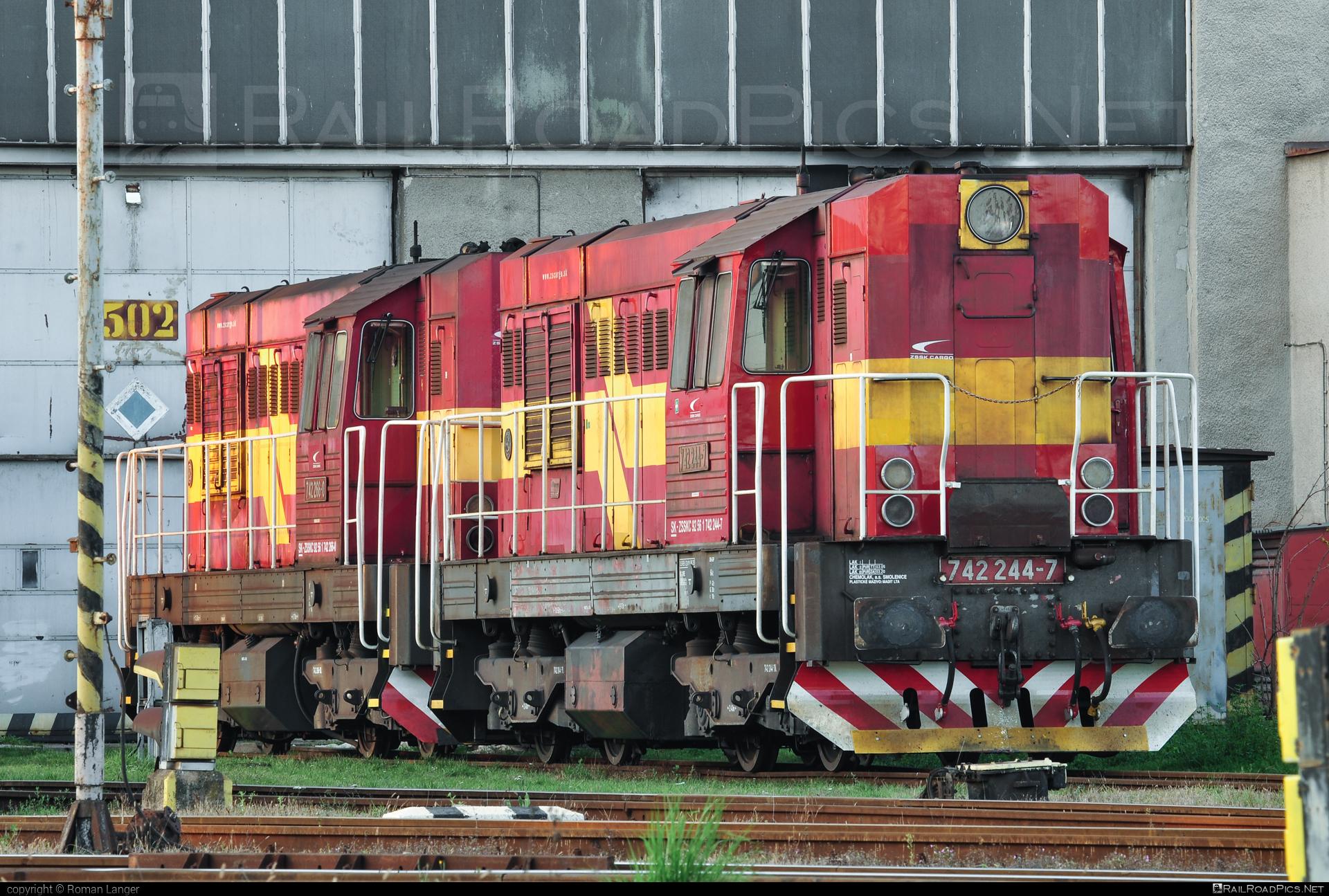 ČKD T 466.2 (742) - 742 244-7 operated by Železničná Spoločnost' Cargo Slovakia a.s. #ZeleznicnaSpolocnostCargoSlovakia #ckd #ckd4662 #ckd742 #ckdt4662 #kocur #zsskcargo