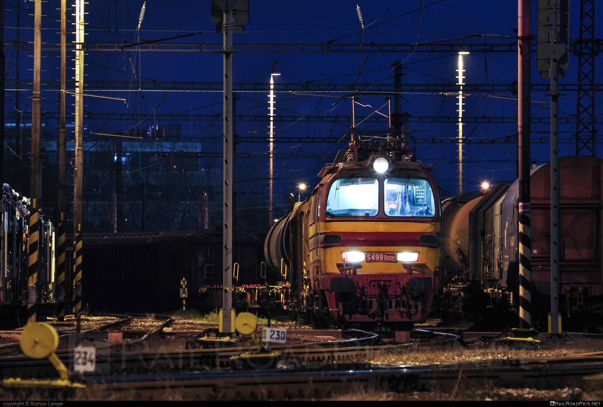 Škoda 47E - S4990001 operated by Železničná Spoločnost' Cargo Slovakia a.s. #ZeleznicnaSpolocnostCargoSlovakia #ZeleznicnaSpolocnostSlovensko #laminatka #locomotive240 #skoda #skoda47e #zssk #zsskcargo