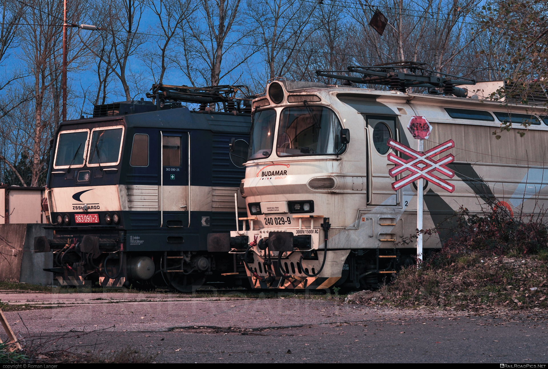 Škoda 47E - 240 029-9 operated by LOKORAIL, a.s. #BulkTransshipmentSlovakia #bts #budamargroup #laminatka #locomotive240 #lokorail #lrl #skoda #skoda47e