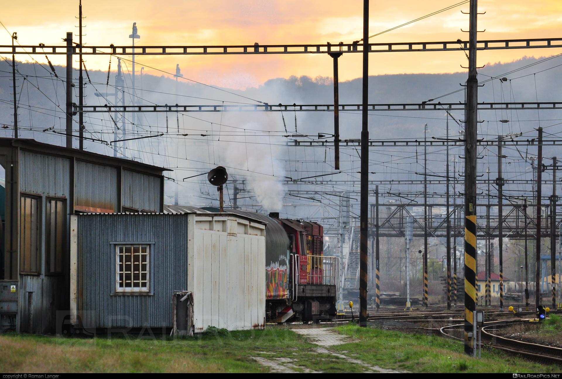 ČKD T 466.2 (742) - 742 244-7 operated by Železničná Spoločnost' Cargo Slovakia a.s. #ZeleznicnaSpolocnostCargoSlovakia #ckd #ckd4662 #ckd742 #ckdt4662 #zsskcargo