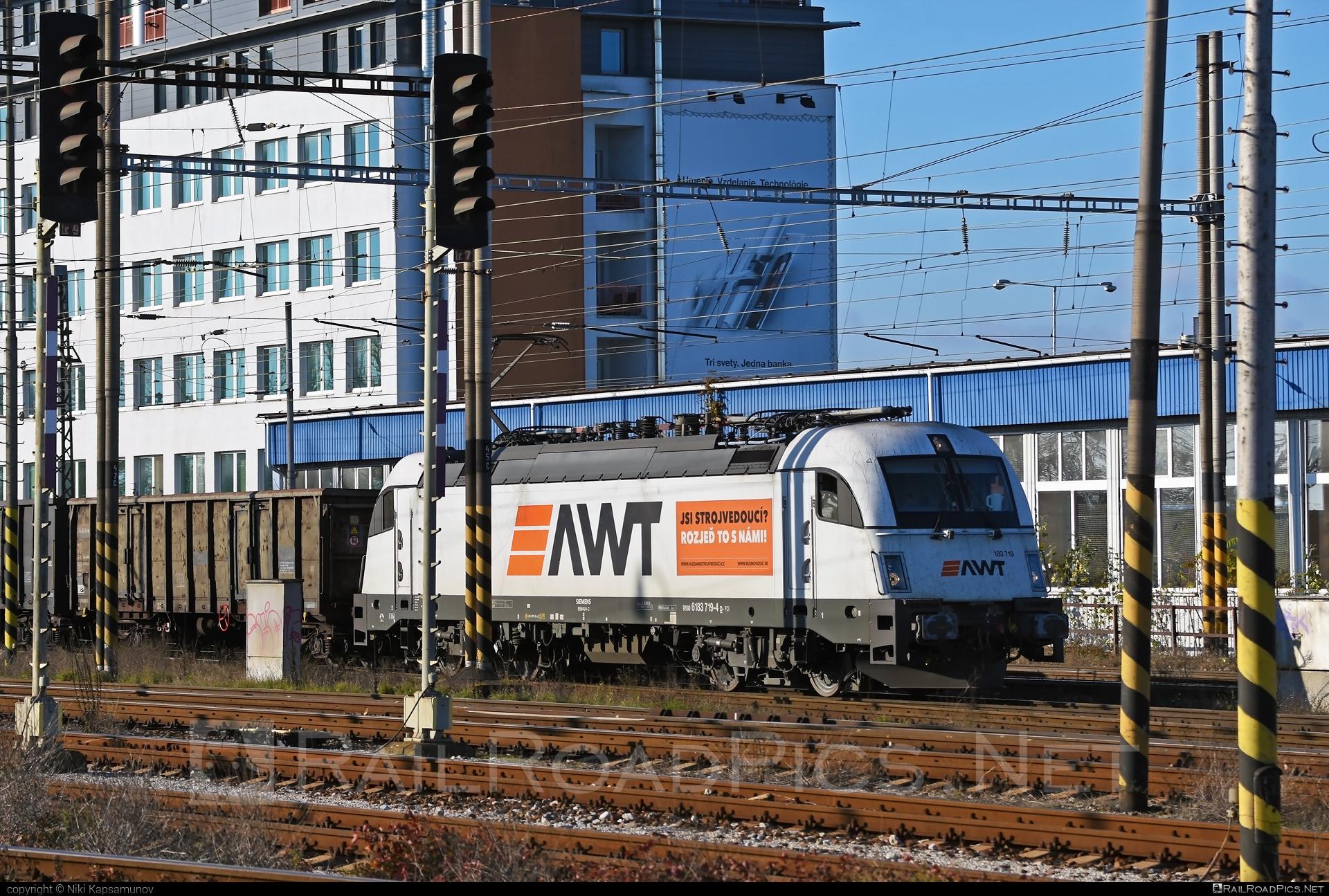 Siemens ES 64 U4 - 183 719 operated by PKP CARGO INTERNATIONAL a.s. #awt #es64 #es64u #es64u4 #eurosprinter #pkpcargo #pkpcargointernational #pkpcargointernationalas #siemens #siemenses64 #siemenses64u #siemenses64u4 #siemenstaurus #taurus #tauruslocomotive
