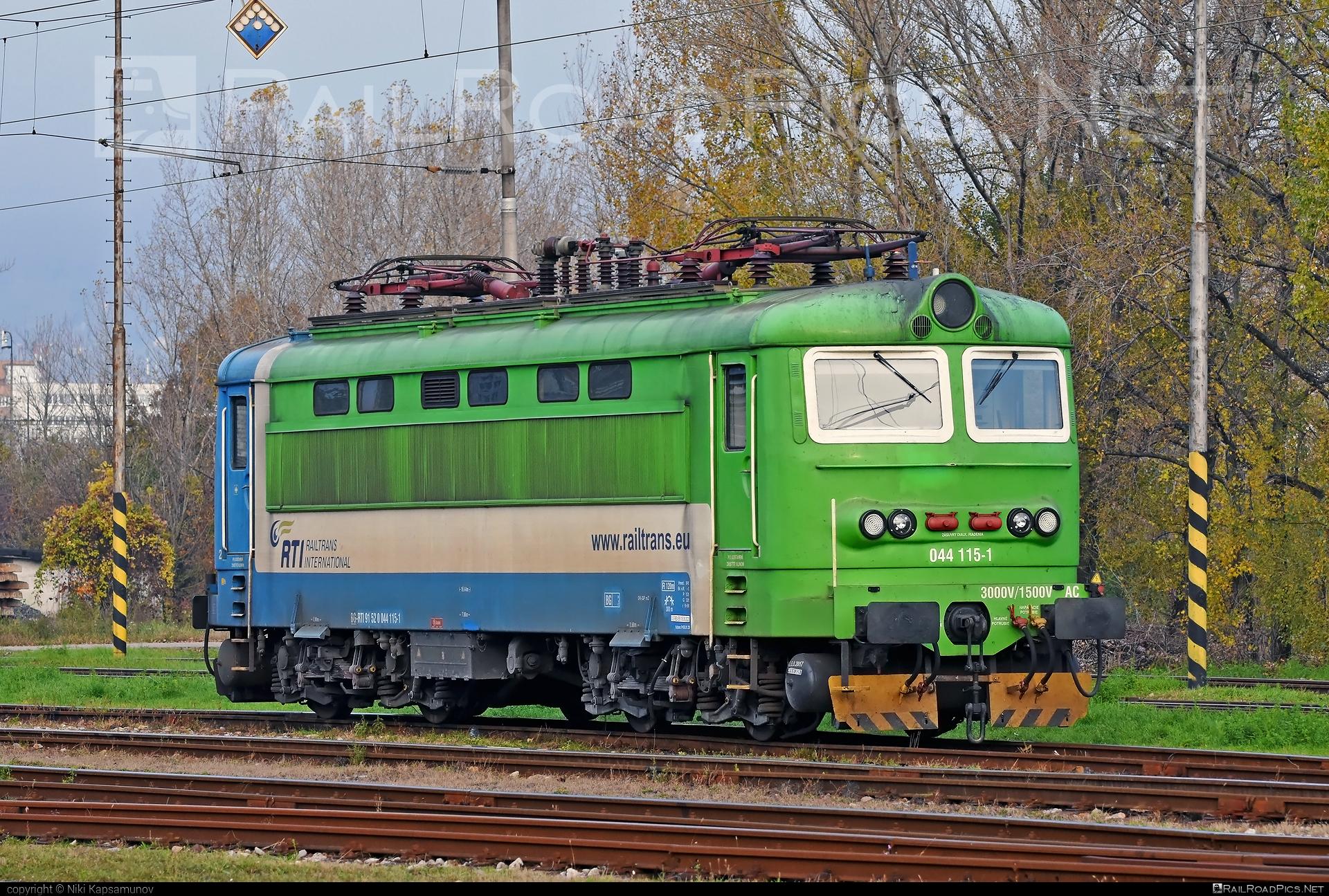 Škoda 73E - 044 115-1 operated by Railtrans International, s.r.o #RailtransInternational #locomotive242 #plechac #rti #skoda #skoda73e