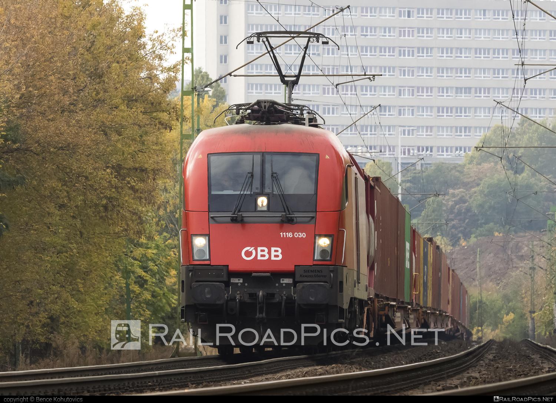 Siemens ES 64 U2 - 1116 030 operated by Rail Cargo Hungaria ZRt. #es64 #es64u #es64u2 #eurosprinter #obb #osterreichischebundesbahnen #rch #siemens #siemenses64 #siemenses64u #siemenses64u2 #siemenstaurus #taurus #tauruslocomotive