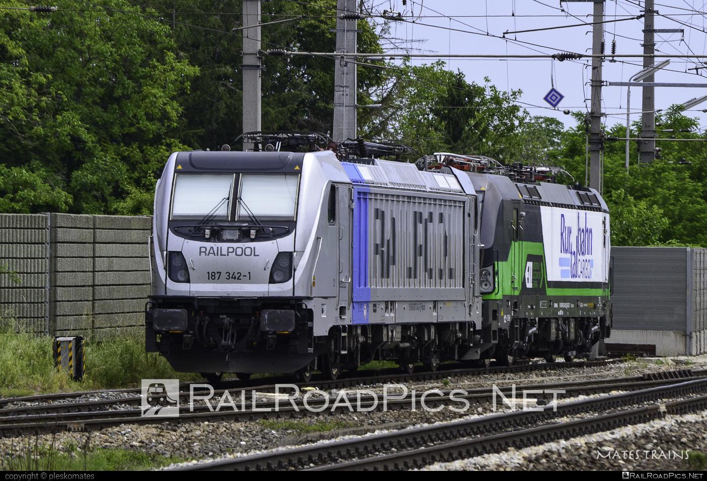 Bombardier TRAXX F160 AC3 - 187 342-1 operated by ecco-rail GmbH #bombardier #bombardiertraxx #eccorail #eccorailgmbh #railpool #railpoolgmbh #traxx #traxxf160 #traxxf160ac #traxxf160ac3