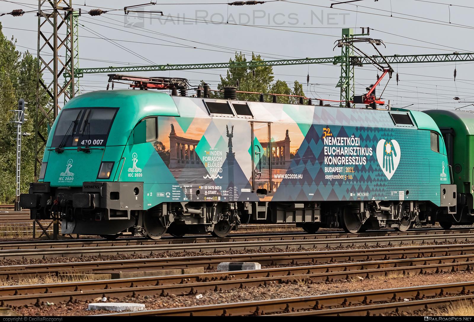 Siemens ES 64 U2 - 470 007 operated by MÁV-START ZRt. #es64 #es64u #es64u2 #eurosprinter #mav #mavstart #mavstartzrt #siemens #siemenses64 #siemenses64u #siemenses64u2 #siemenstaurus #tauruslocomotive