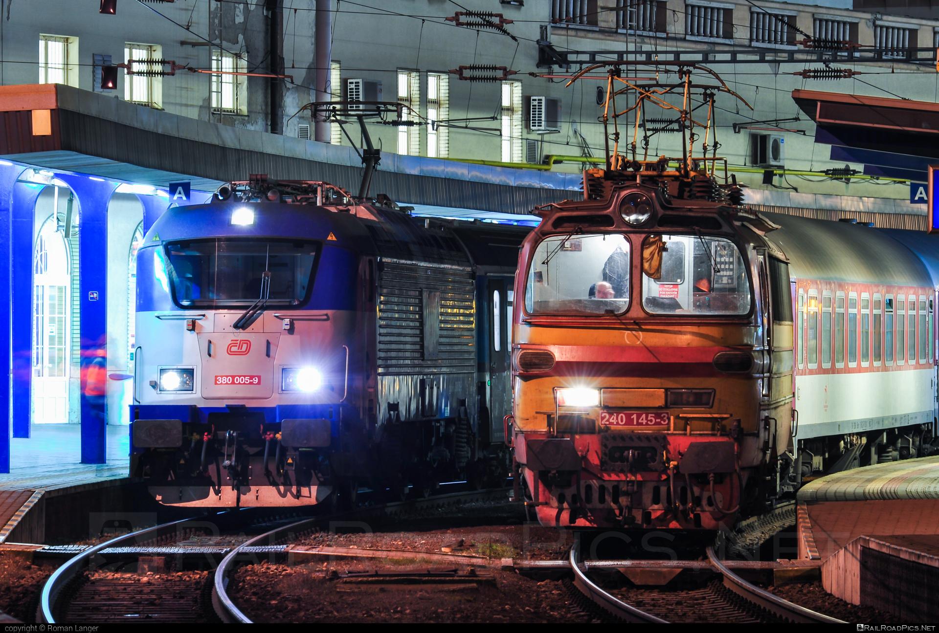 Škoda 47E - 240 145-3 operated by Železničná Spoločnost' Slovensko, a.s. #ZeleznicnaSpolocnostSlovensko #laminatka #locomotive240 #skoda #skoda47e #zssk