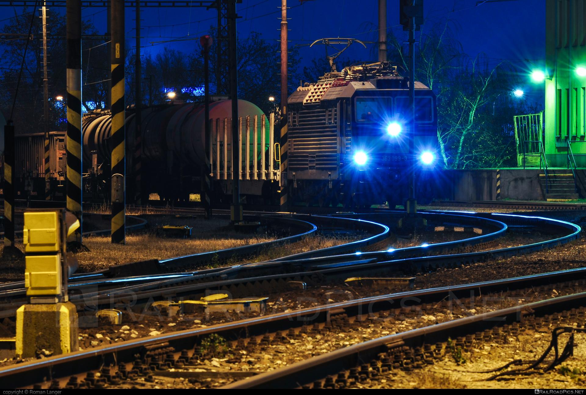 Škoda 69E - 363 099-3 operated by Železničná Spoločnost' Cargo Slovakia a.s. #ZeleznicnaSpolocnostCargoSlovakia #es4991 #eso #locomotive363 #skoda #skoda69e #zsskcargo