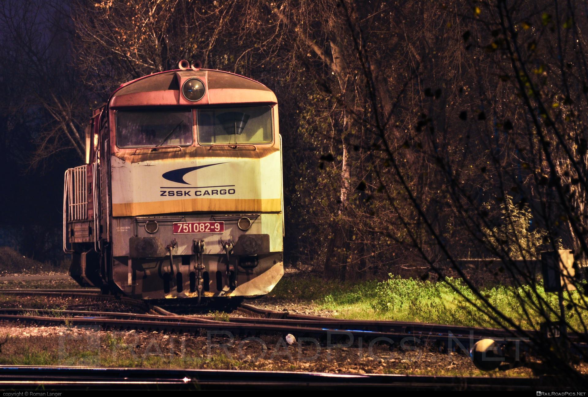 ČKD T 478.1 (751) - 751 082-9 operated by Železničná Spoločnost' Cargo Slovakia a.s. #ZeleznicnaSpolocnostCargoSlovakia #bardotka #ckd #ckd4781 #ckd751 #ckdt4781 #zamracena #zsskcargo