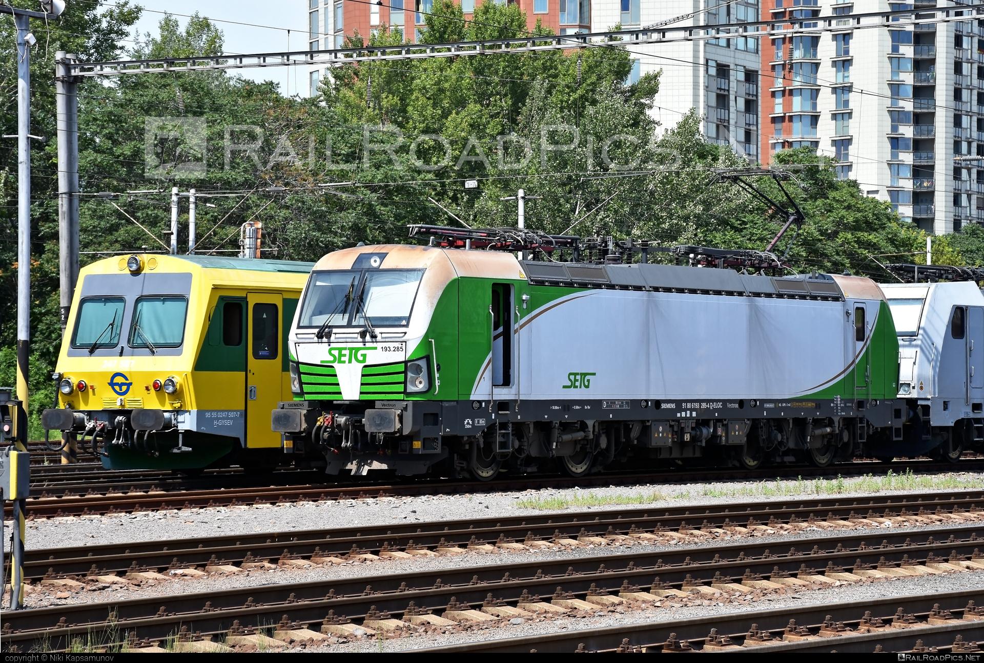 Siemens Vectron MS - 193 285 operated by Salzburger Eisenbahn Transportlogistik GmbH #SalzburgerEisenbahnTransportlogistik #SalzburgerEisenbahnTransportlogistikGmbH #ell #ellgermany #eloc #europeanlocomotiveleasing #setg #siemens #siemensvectron #siemensvectronms #vectron #vectronms