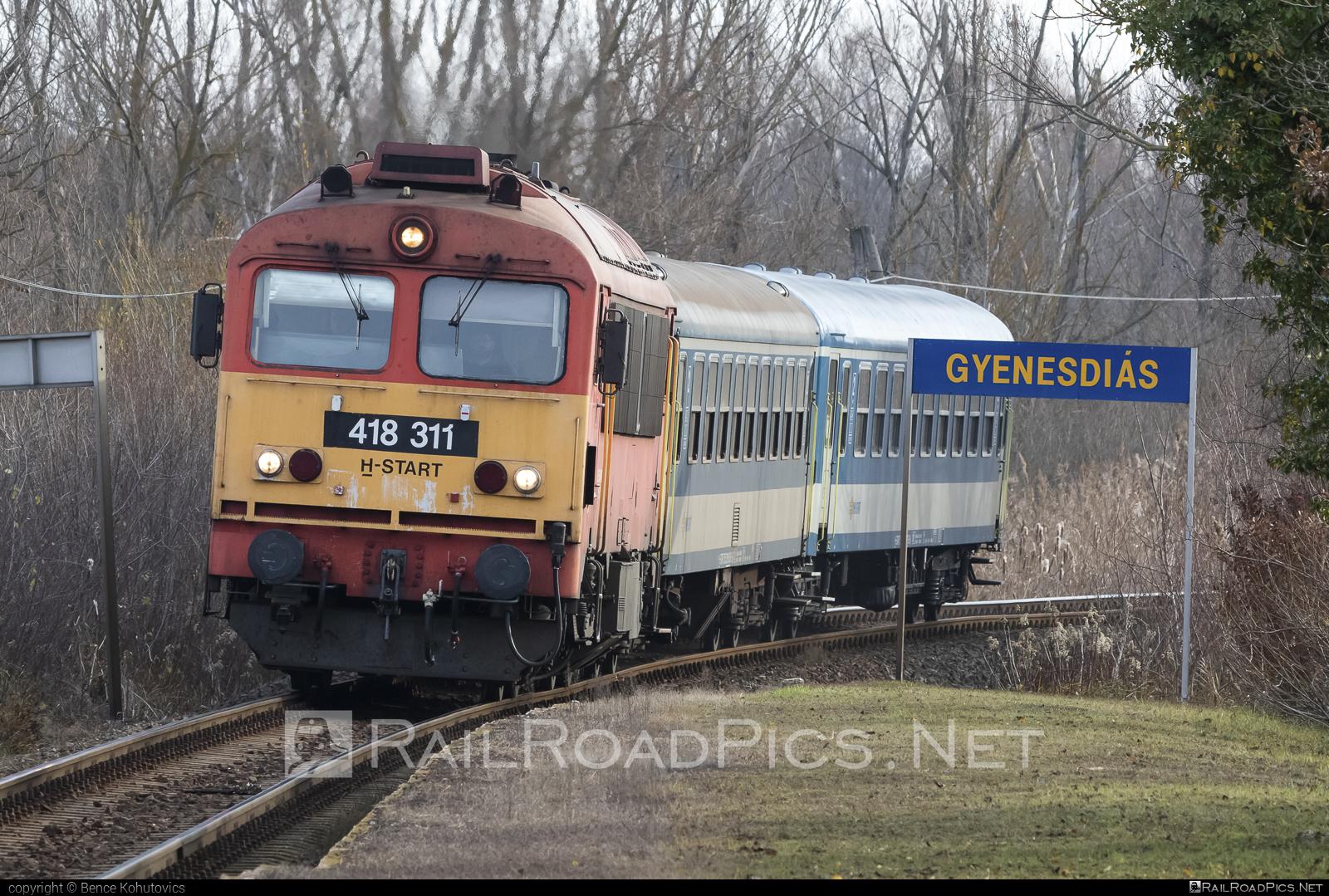 Ganz-MÁVAG DHM7-4 - 418 311 operated by MÁV-START ZRt. #dhm7 #dhm74 #ganzm41 #ganzmavag #ganzmavag418 #ganzmavagdhm7 #ganzmavagdhm74 #ganzmavagm41 #m41locomotive #mavstart #mavstartzrt