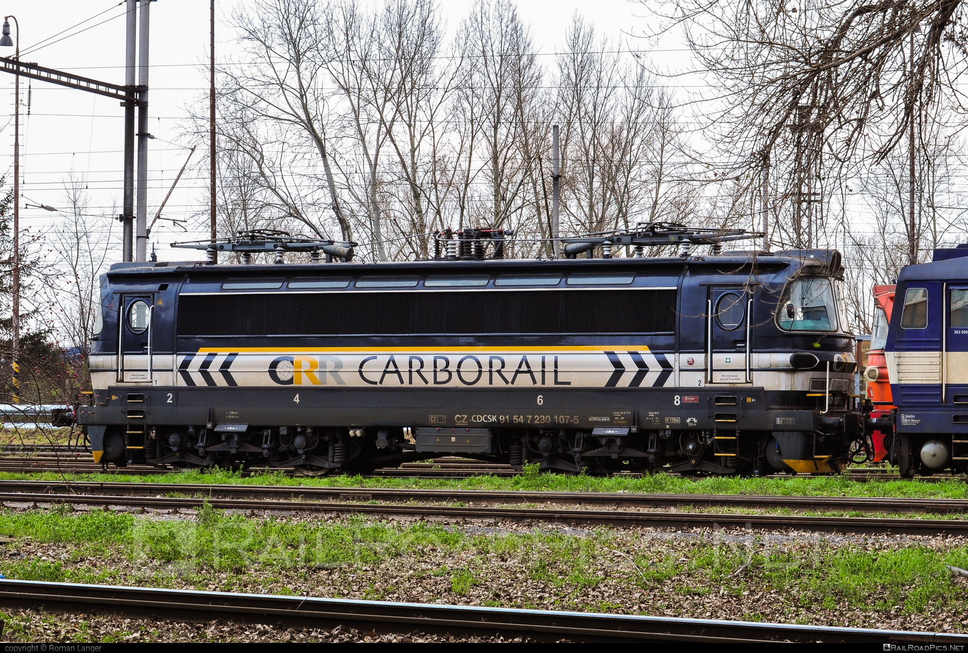 Škoda 47E - 230 107-5 operated by Retrack Slovakia s. r. o. #cdcargoslovakia #cdcsk #laminatka #locomotive240 #retrackslovakia #skoda #skoda47e