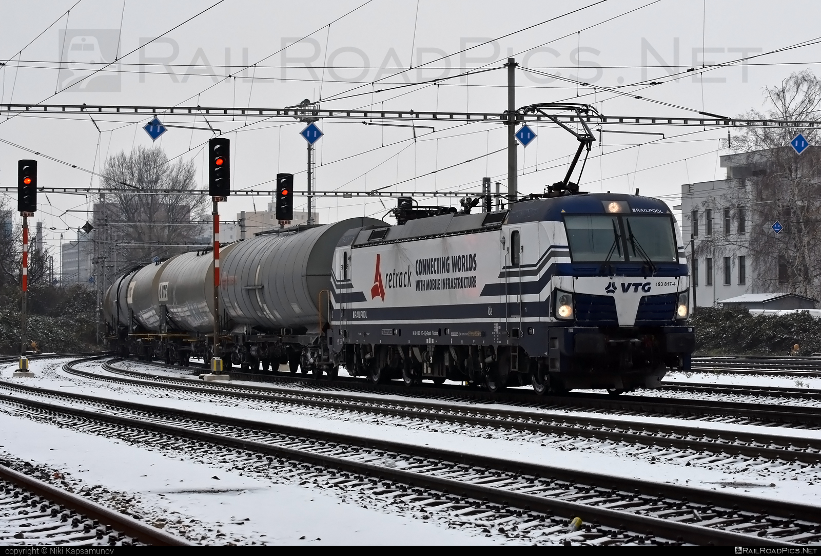 Siemens Vectron AC - 193 817-4 operated by Retrack Slovakia s. r. o. #kesselwagen #railpool #railpoolgmbh #retrack #retrackslovakia #siemens #siemensvectron #siemensvectronac #tankwagon #vectron #vectronac #vtg