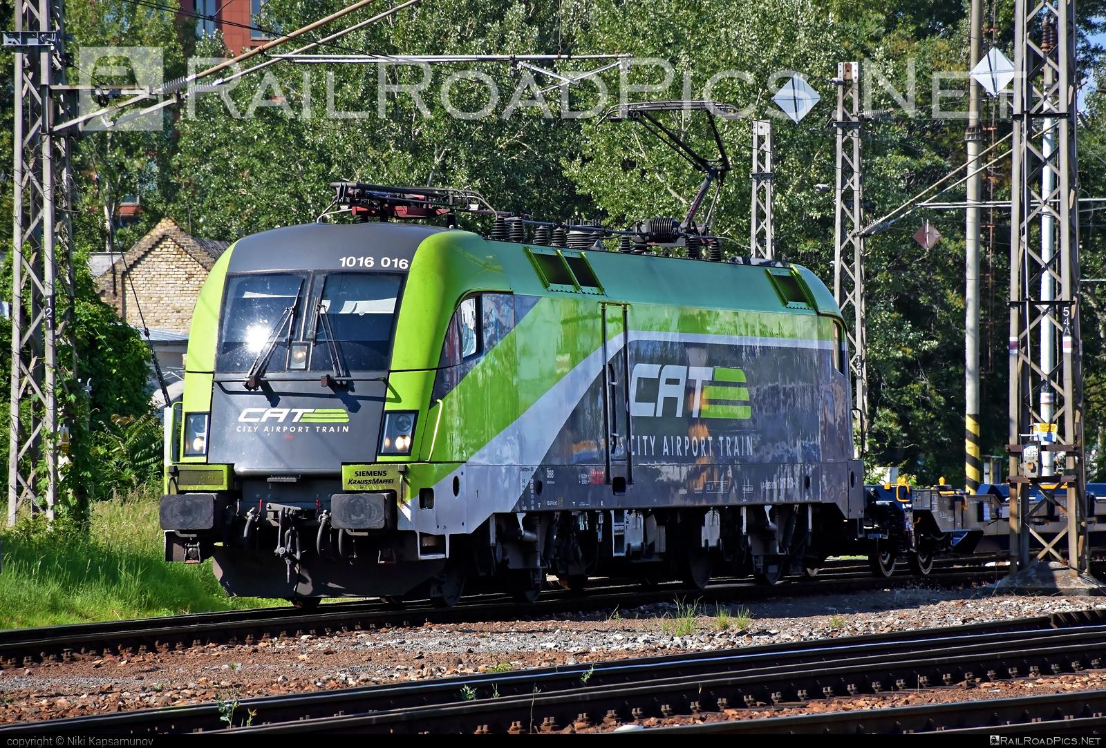 Siemens ES 64 U2 - 1016 016 operated by Rail Cargo Austria AG #cat #es64 #es64u #es64u2 #eurosprinter #obb #osterreichischebundesbahnen #rcw #siemens #siemenses64 #siemenses64u #siemenses64u2 #siemenstaurus #taurus #tauruslocomotive