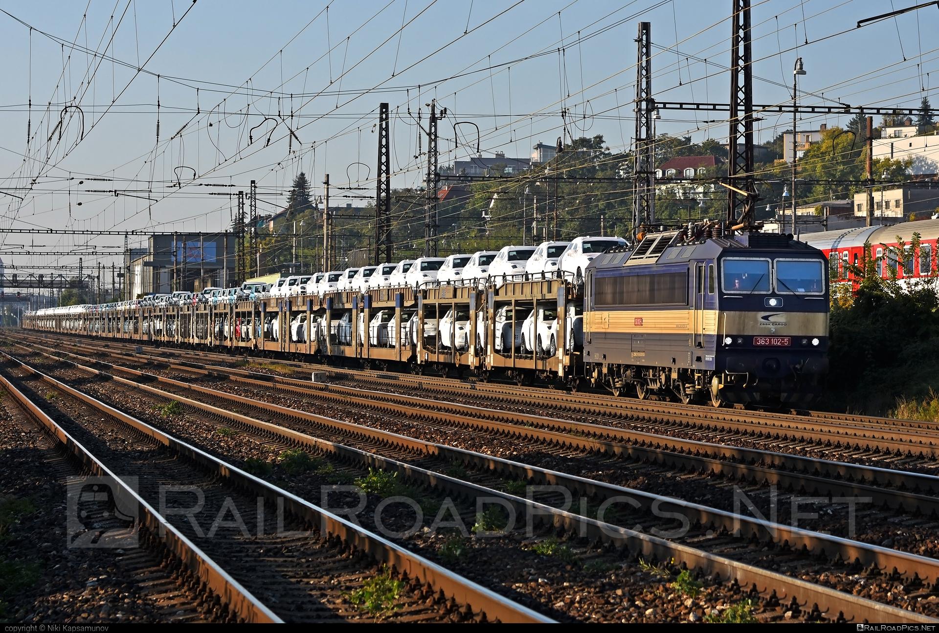 Škoda 69E - 363 102-5 operated by Železničná Spoločnost' Cargo Slovakia a.s. #ZeleznicnaSpolocnostCargoSlovakia #blg #carcarrierwagon #es4991 #eso #locomotive363 #skoda #skoda69e #zsskcargo